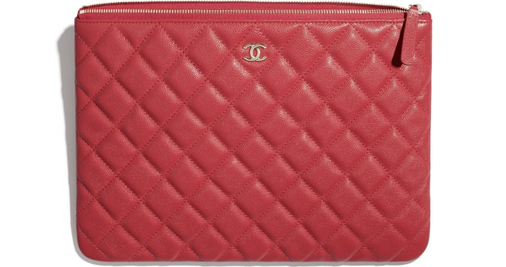 image 2 - Classic Pouch - Grained Calfskin & Gold-Tone Metal - Red