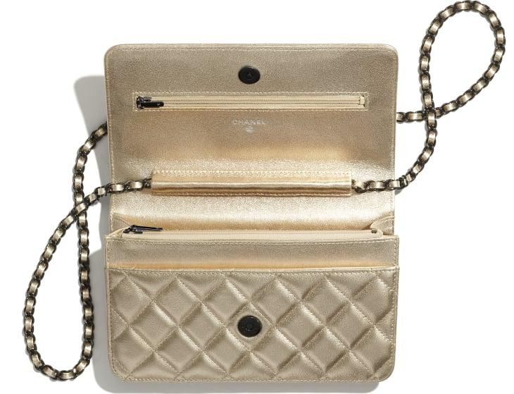 image 2 - Wallet on chain classique - Agneau métallisé & métal noir - Doré