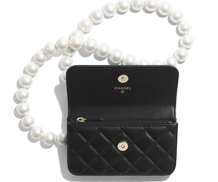 image 2 - Clutch with Chain - Calfskin, Imitation Pearls & Gold-Tone Metal - Black