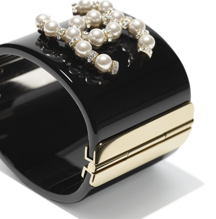 image 2 - Cuff - Resin, Glass Pearls, Strass & Metal - Black, Pearly White, Crystal & Gold