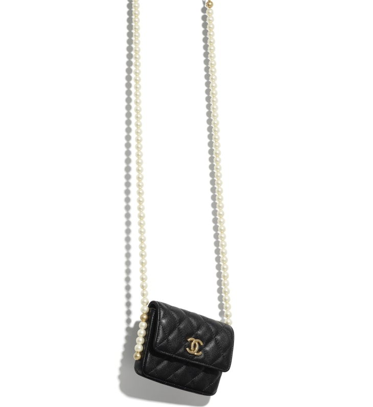 image 3 - Flap Card Holder with Chain - Calfskin, Imitation Pearls & Gold-Tone Metal - Black