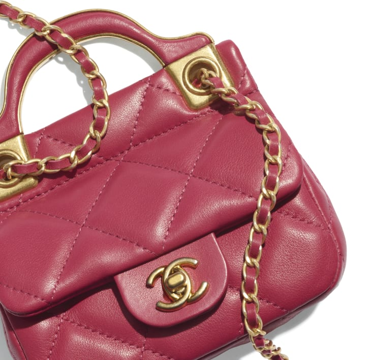 image 4 - Flap Card Holder with Chain - Calfskin & Gold-Tone Metal - Pink