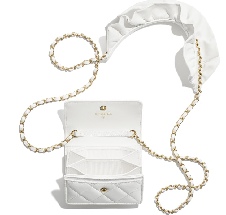 image 2 - Flap Card Holder with Chain - Lambskin & Gold-Tone Metal - White