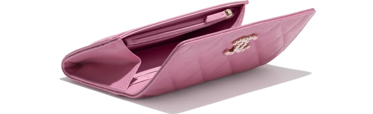 image 4 - Flap Wallet - Grained Calfskin & Laquered Gold-Tone Metal - Pink