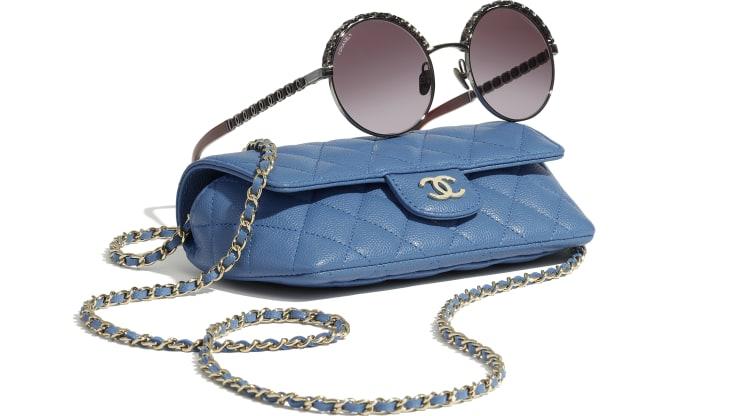 image 4 - Classic Glasses Case with Chain - Couro De Novilho Granulado & Metal Dourado - Azul