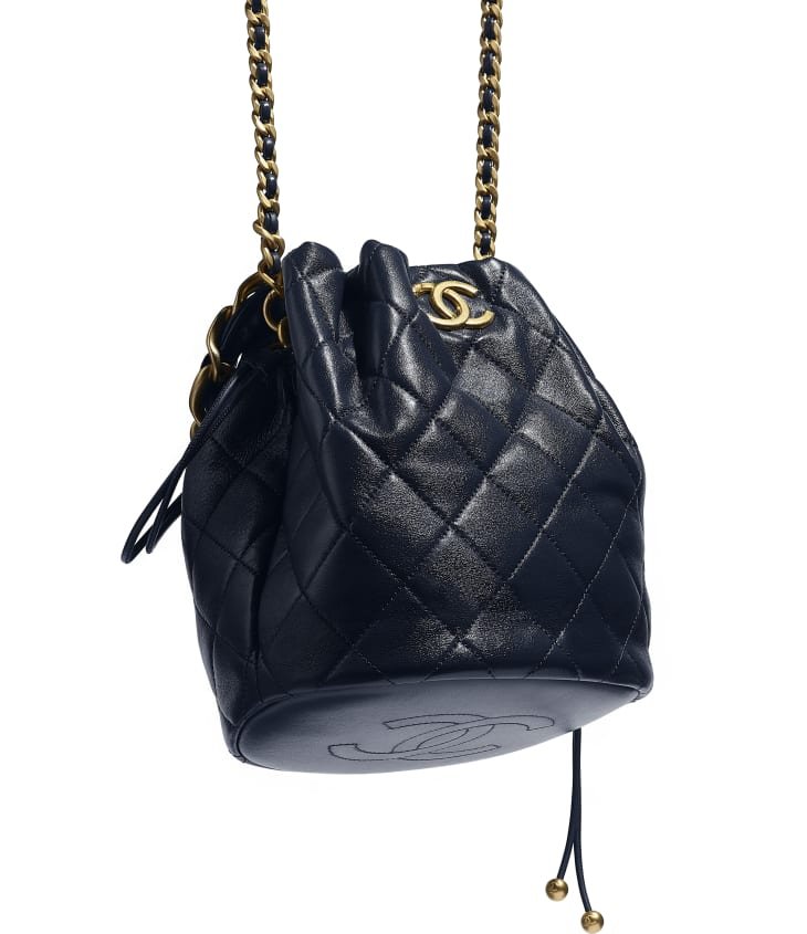 image 4 - Large Drawstring Bag - Shiny Lambskin & Gold-Tone Metal - Navy Blue