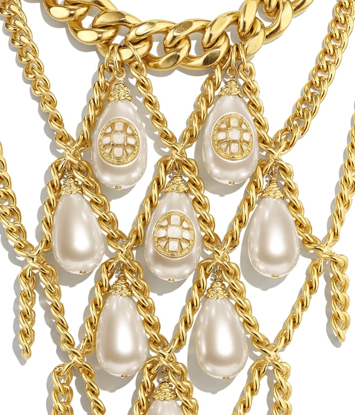 image 3 - Necklace - Metal, imitation pearls, diamanté  & resin - Gold, Pearly White & Crystal