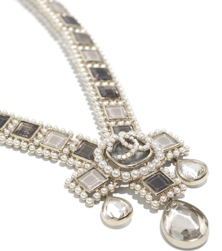 image 2 - ネックレス - メタル、コスチューム パール、グラスストーン & ストラス - ゴールド、ホワイト、グレー & クリスタル