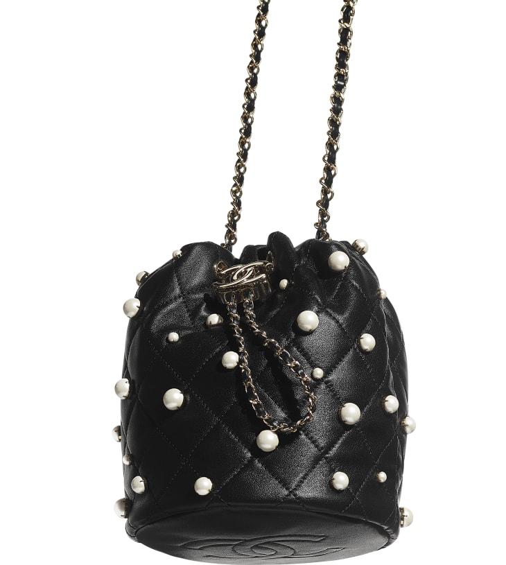 image 4 - Petit sac à fermeture cordon - Agneau, perles d'imitation & métal doré - Noir
