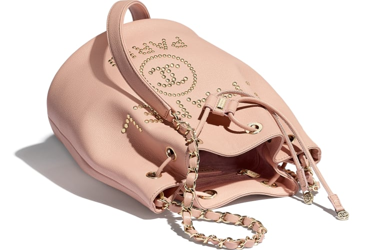 Bolso pequeño con cierre de cordón