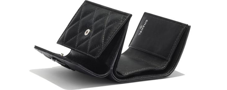 image 4 - Petit portefeuille à rabat - Veau grainé & métal laqué - Noir