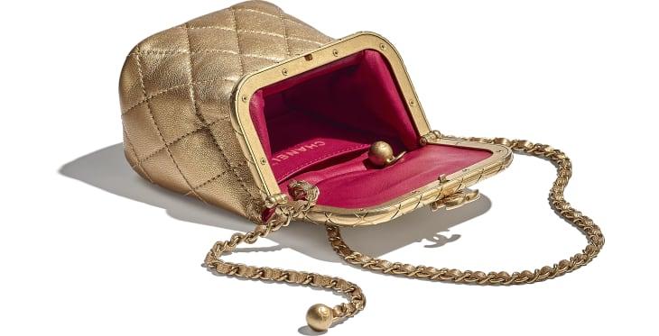 image 3 - Bolsa Pequena com Fecho Tabatière - Couro De Cordeiro Metálico & Metal Dourado - Dourado