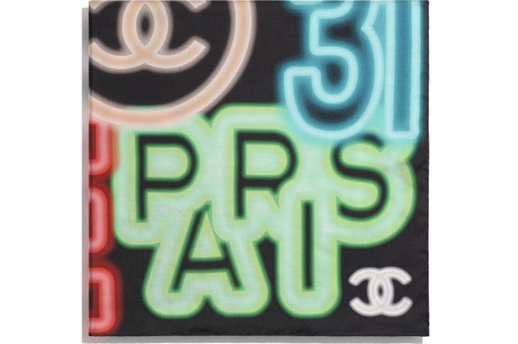 image 2 - Carré - Twill de soie - Noir & multicolore