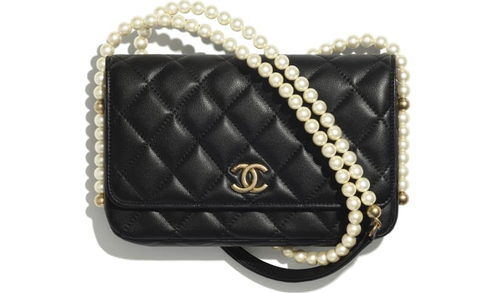 image 1 - Wallet on Chain - Calfskin, Imitation Pearls & Gold-Tone Metal - Black