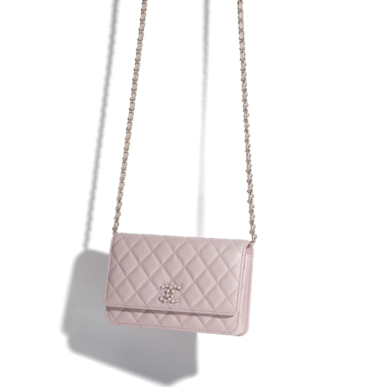 image 3 - Wallet on Chain - Grained Calfskin & Gold-Tone Metal - Light Pink