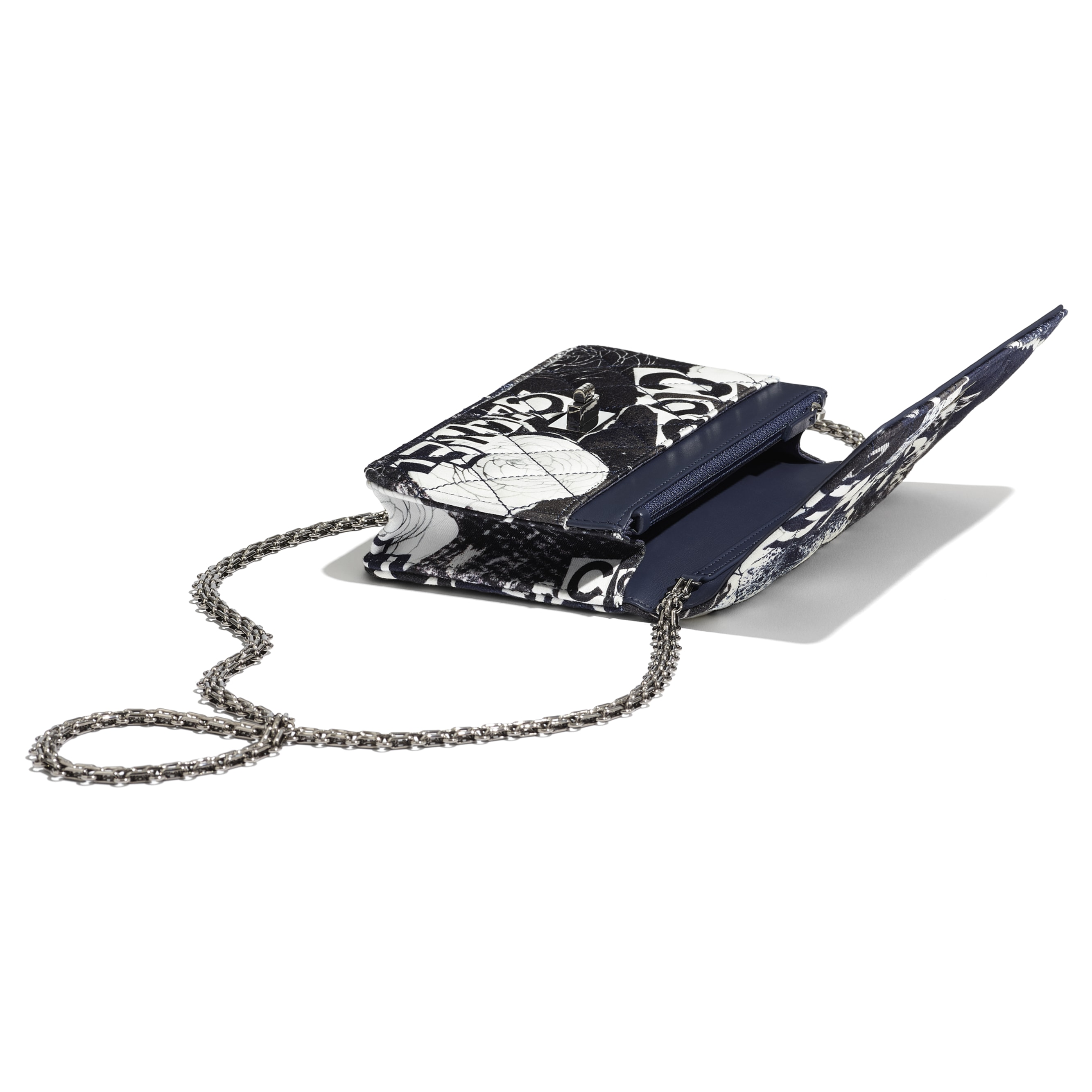 2.55 Wallet On Chain - White, Black, Navy Blue & Silver - Printed fabric & ruthenium-finish metal - Extra view - see standard sized version