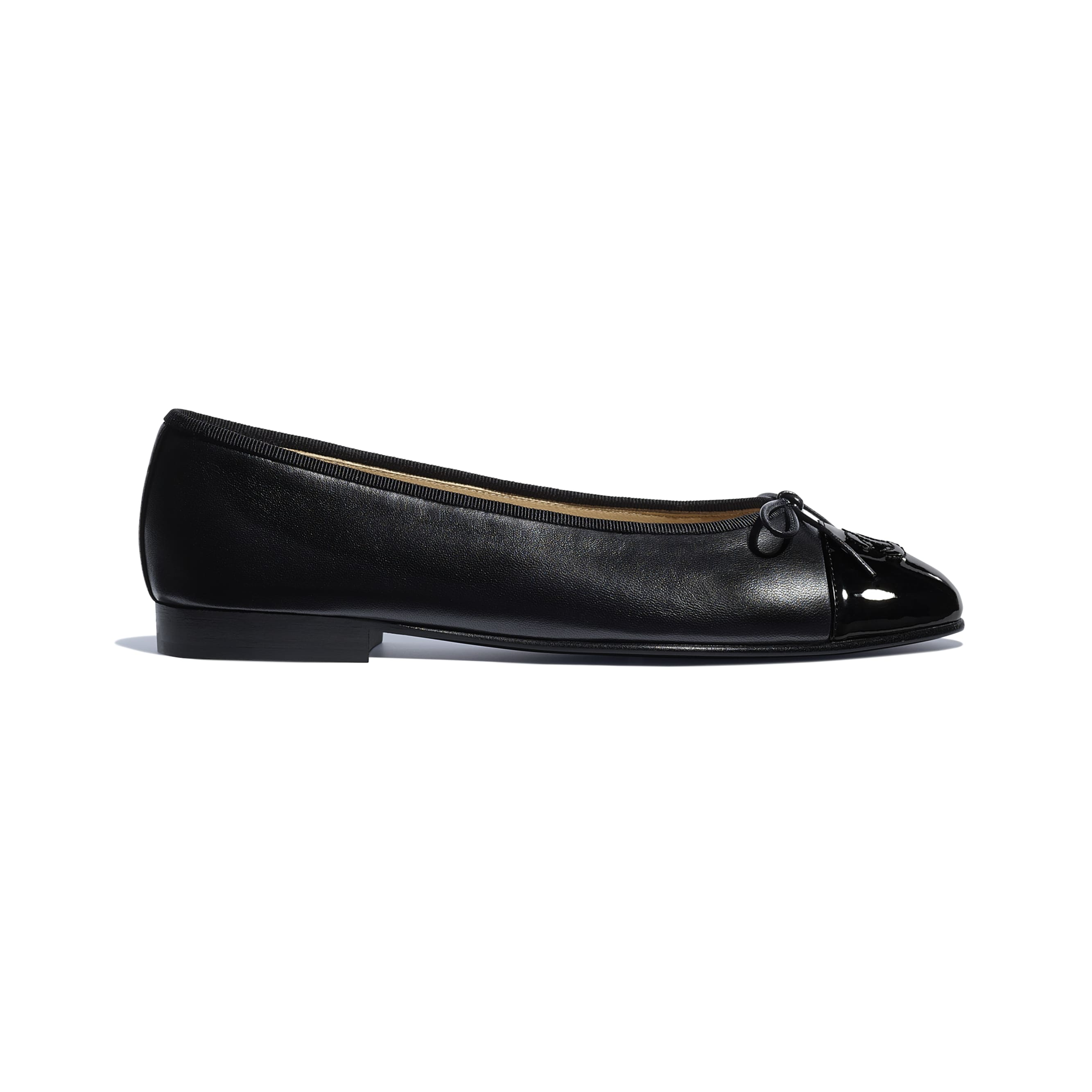 Flats - Black - Lambskin & Patent Calfskin - CHANEL - Default view - see standard sized version