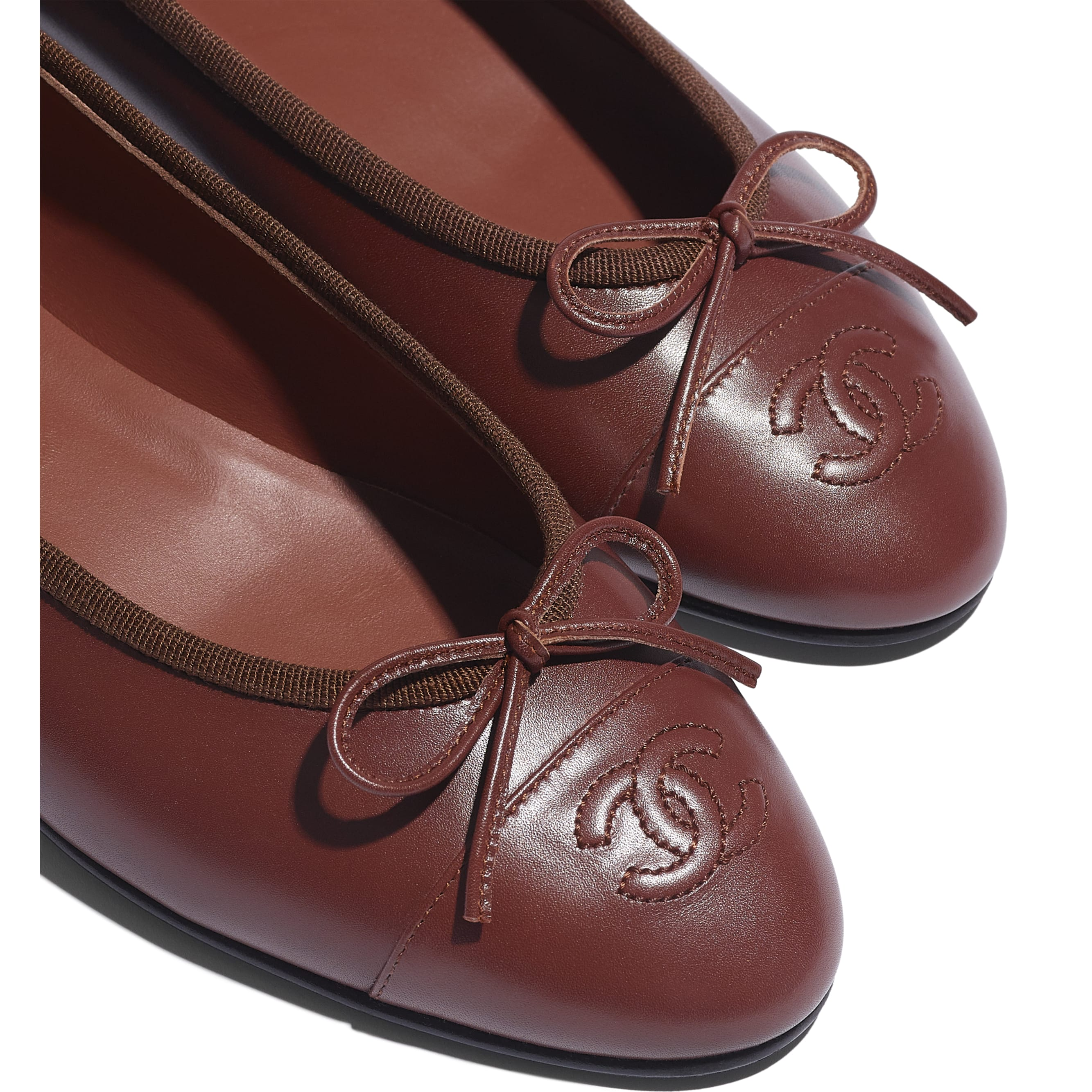 Flats - Brown - Calfskin - CHANEL - Extra view - see standard sized version