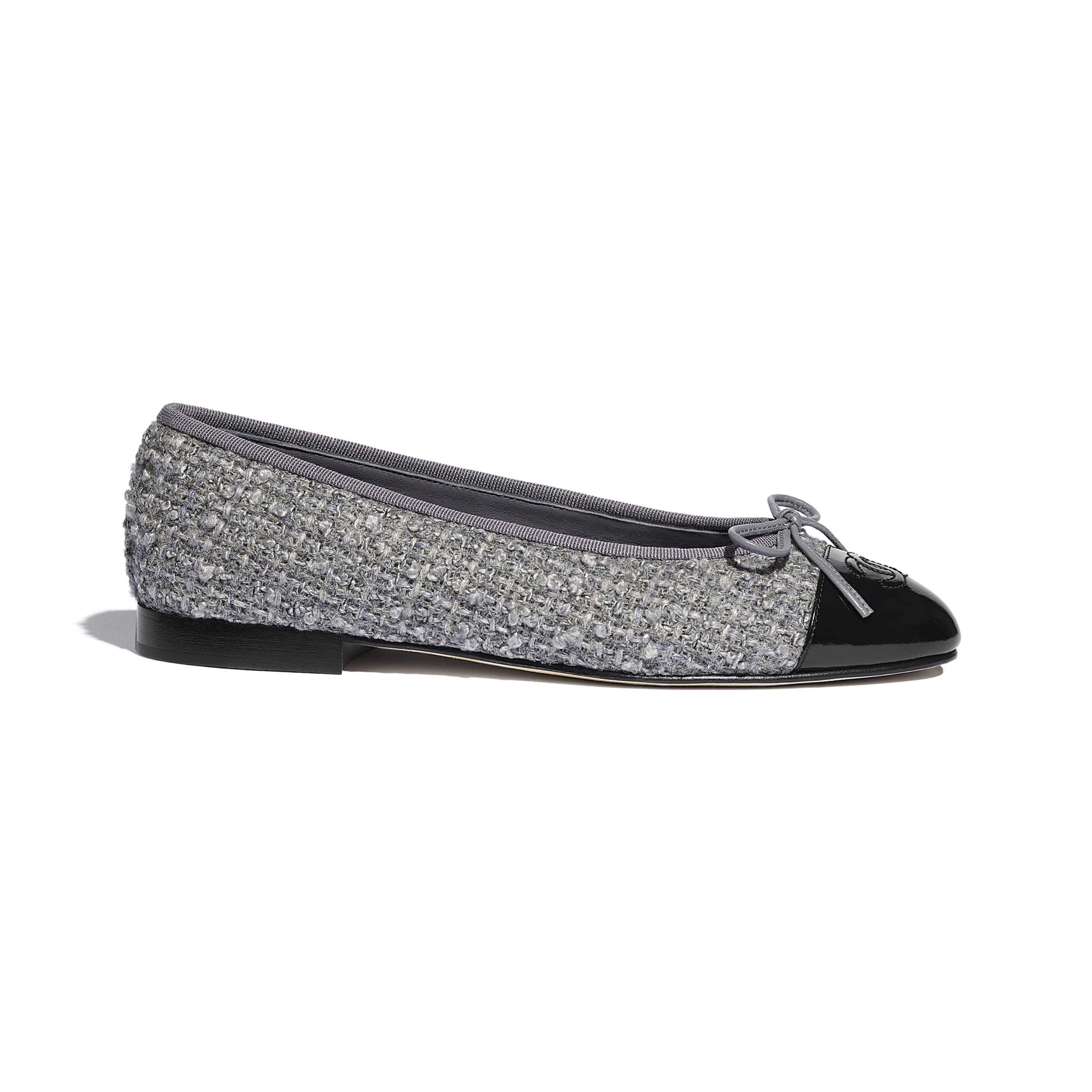 Ballerinas - Gray & Black - Tweed & Calfskin - CHANEL - Default view - see standard sized version