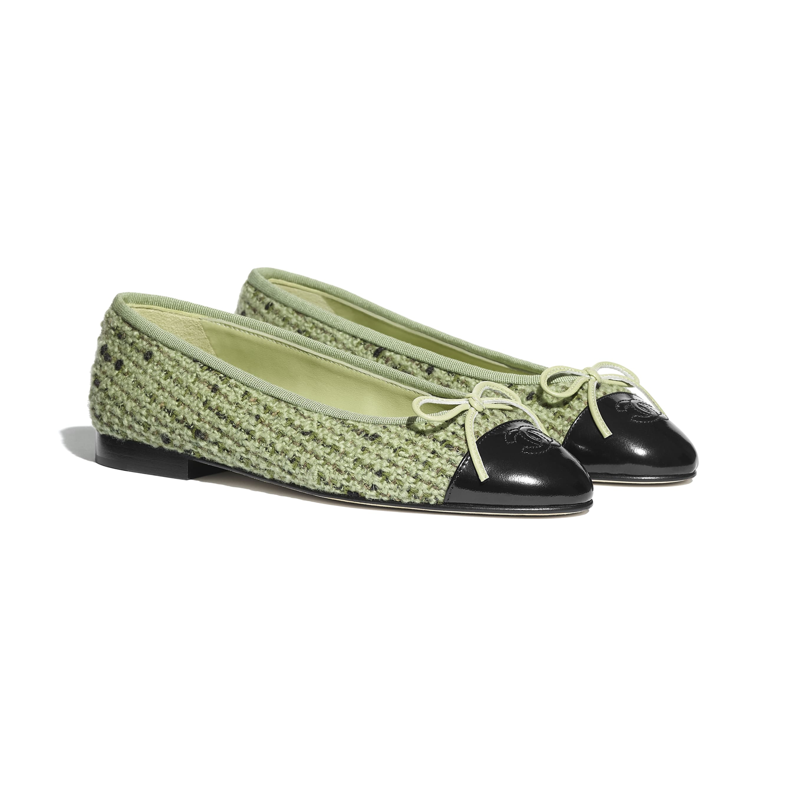 Flats - Green & Black - Tweed & Calfskin - CHANEL - Alternative view - see standard sized version