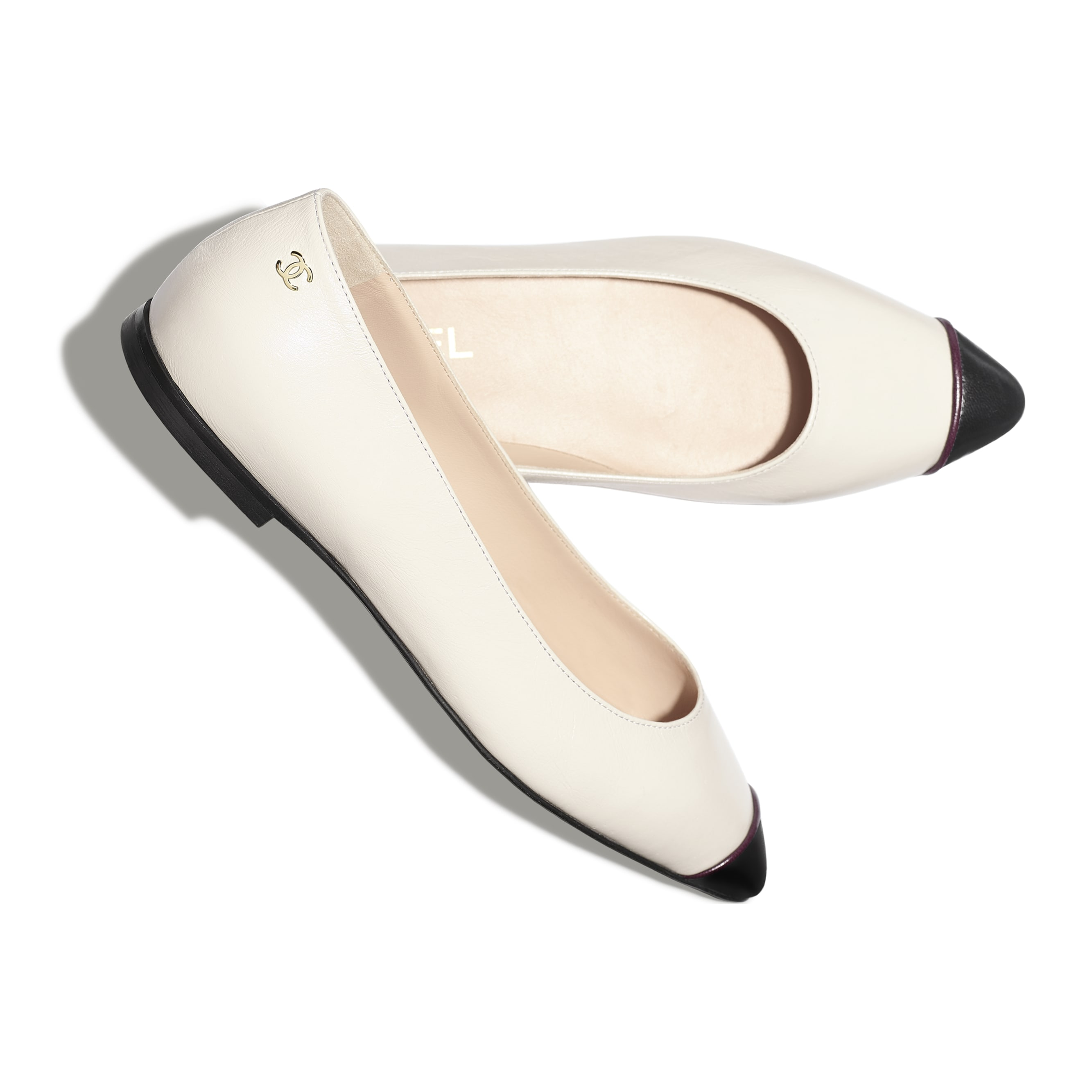Ballerinas - Ivory & Black - Goatskin - CHANEL - Extra view - see standard sized version