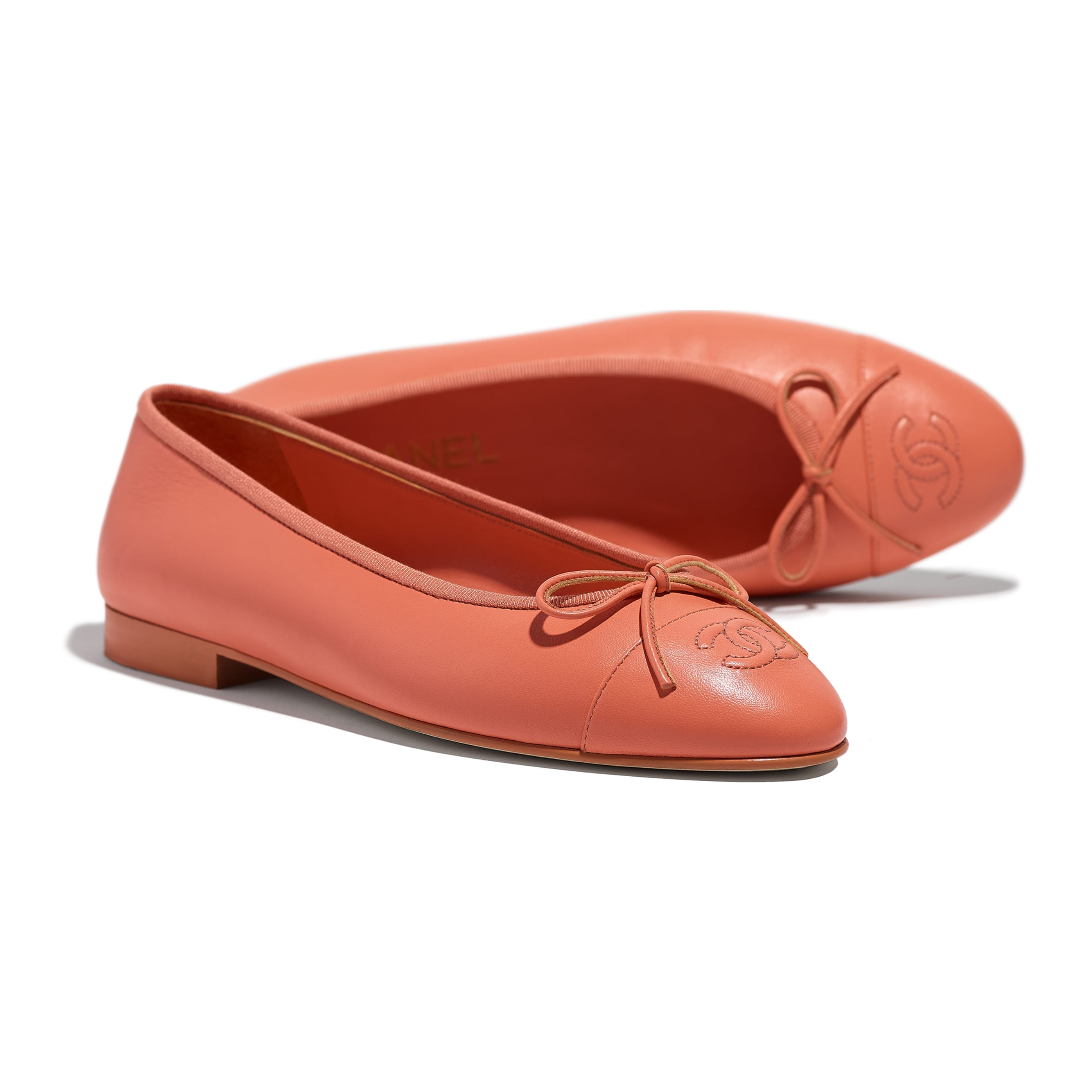 Flats - Neon Orange - Lambskin - CHANEL - Extra view - see standard sized version