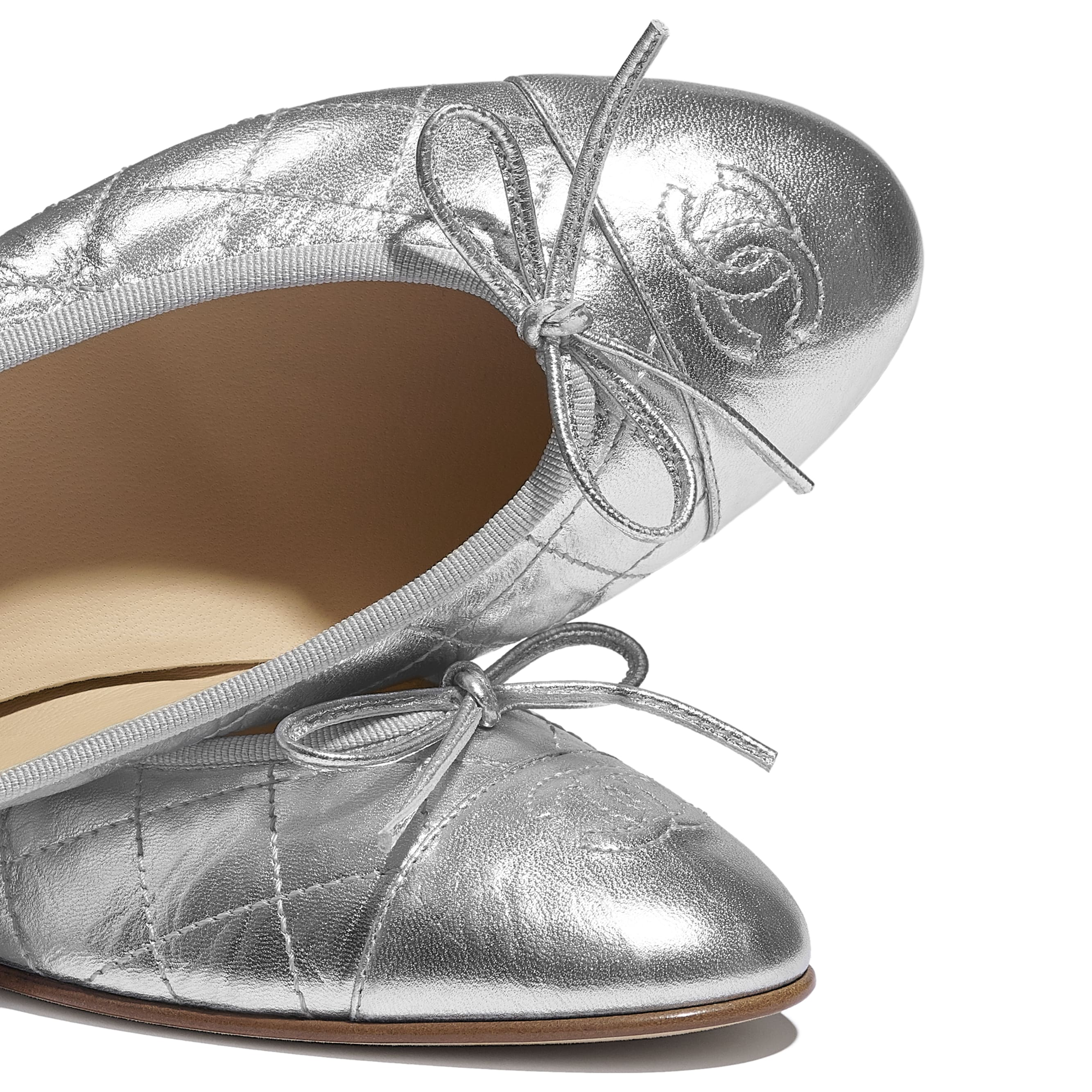 Ballerinas - Silver - Laminated Lambskin - CHANEL - Extra view - see standard sized version