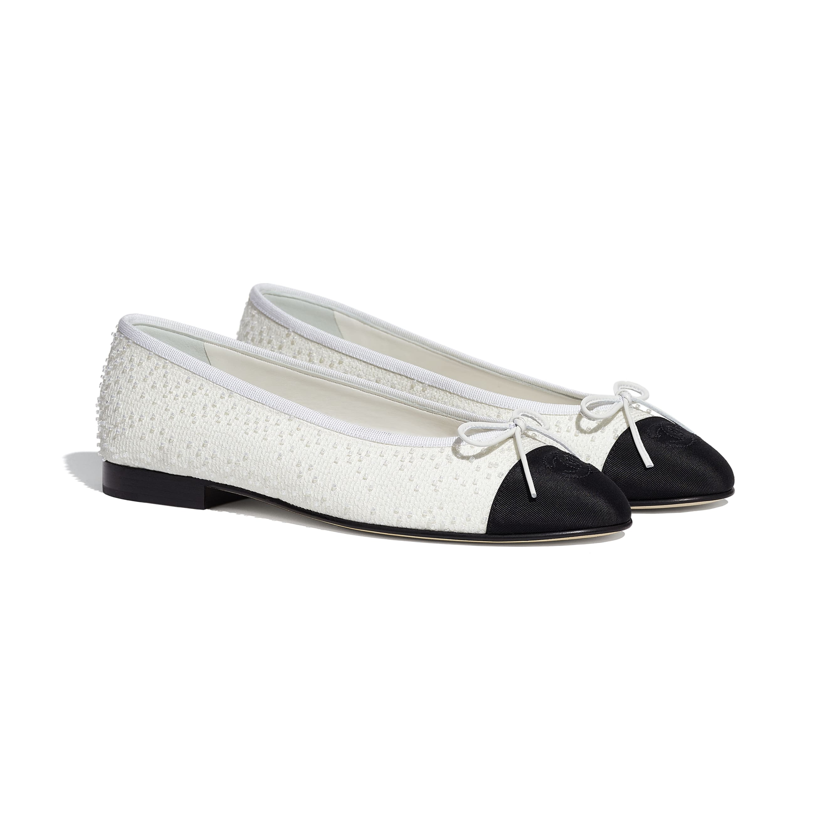 Flats - White & Black - Embroidered Fabric & Grosgrain - CHANEL - Alternative view - see standard sized version