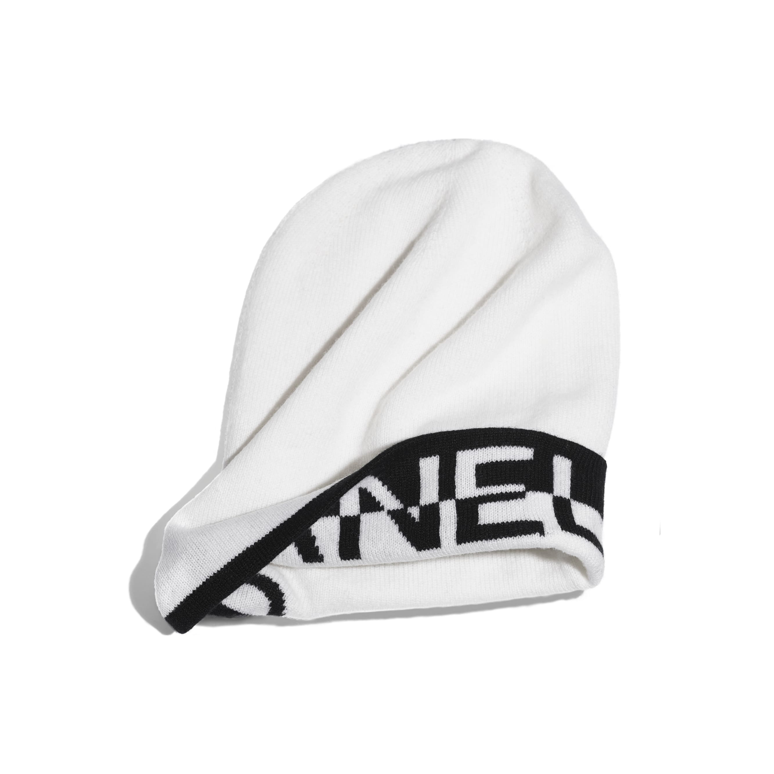 Beanie - White & Black - Cashmere - CHANEL - Alternative view - see standard sized version