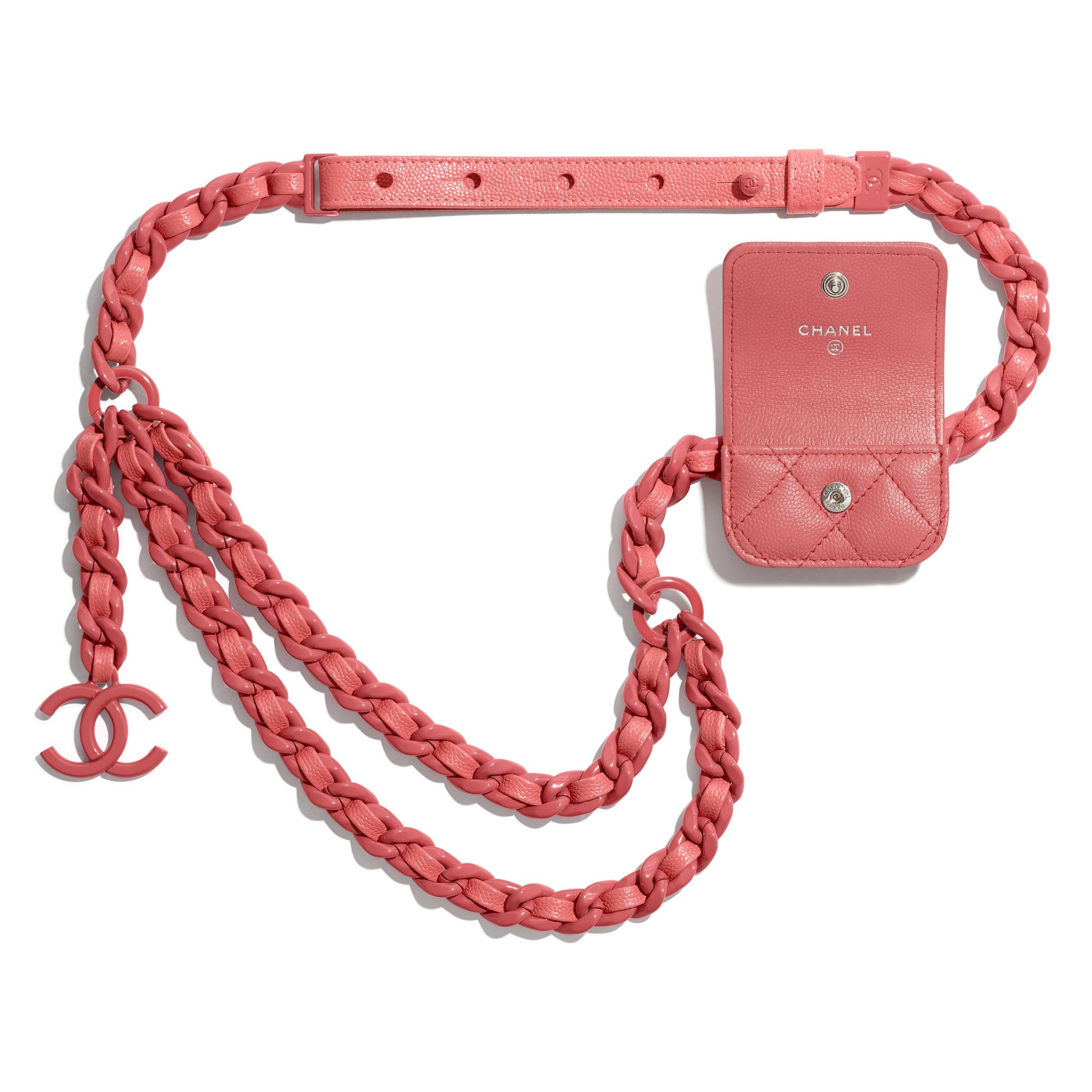 Porta AirPods Pro da cintura - Corallo - Pelle martellata & metallo smaltato - CHANEL - Immagine diversa - vedere versione standard