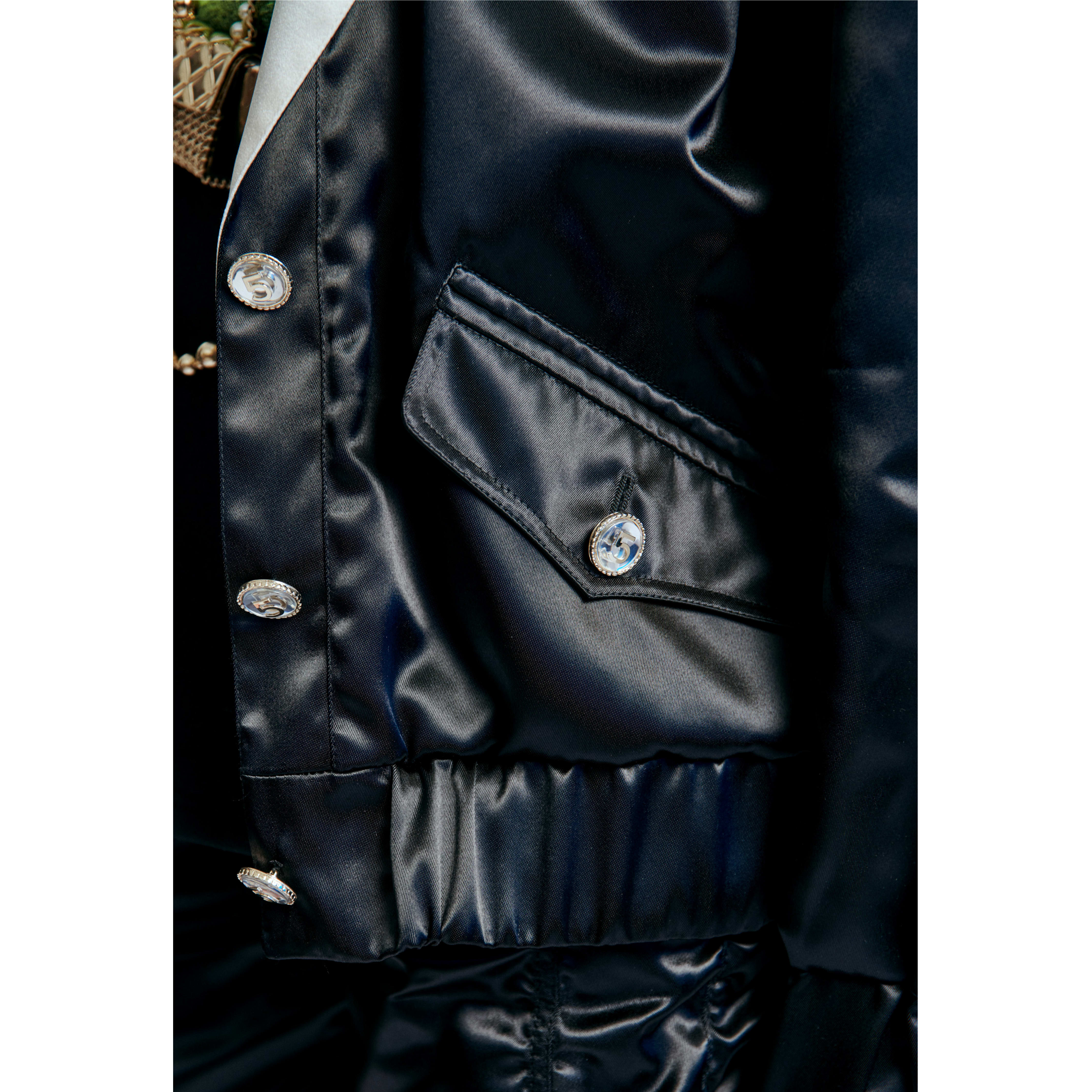 Blouson - Black & Ecru - Mixed Fibres - CHANEL - Other view - see standard sized version