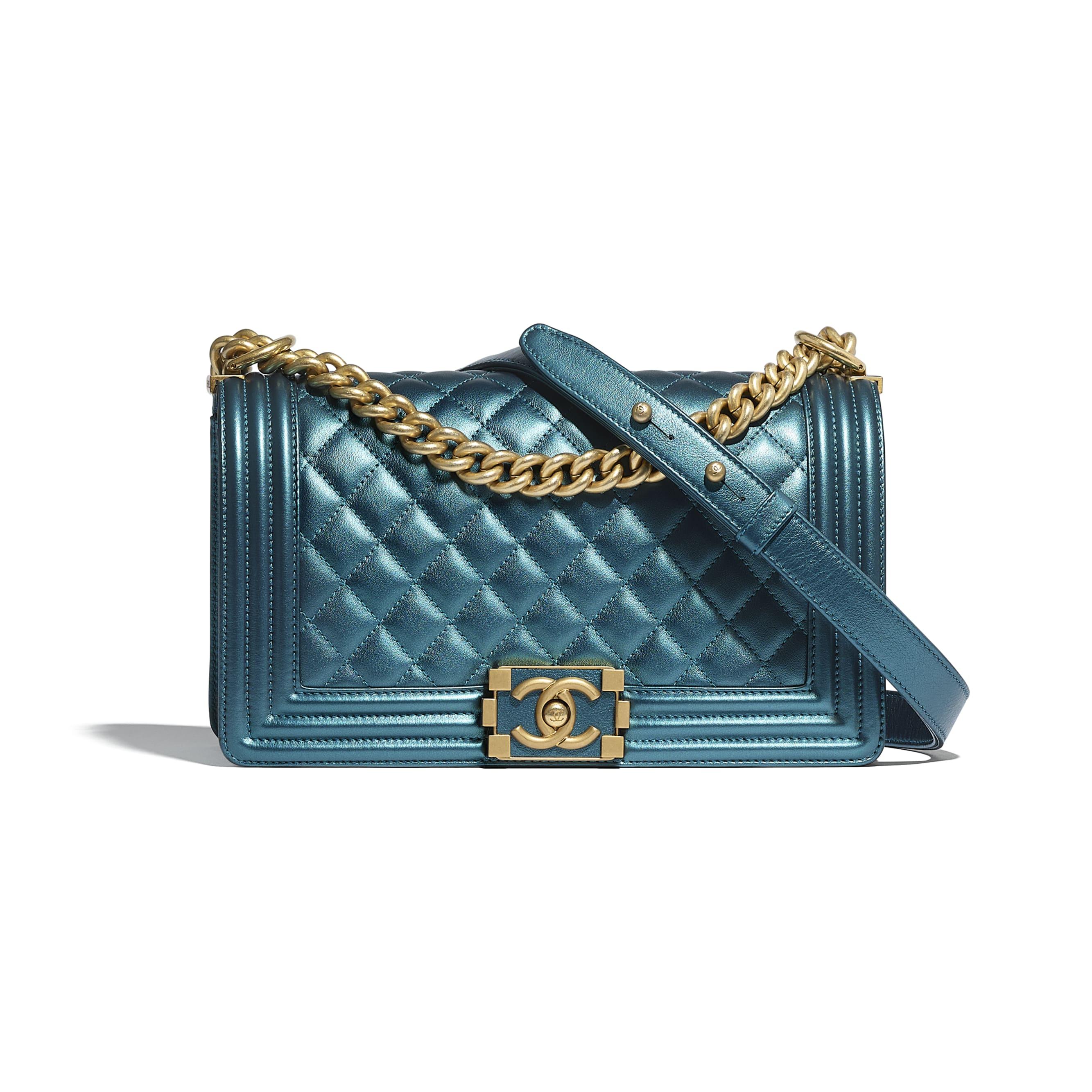 Sac BOY CHANEL - Bleu marine & blanc - Veau métallisé & métal doré - CHANEL - Vue par défaut - voir la version taille standard