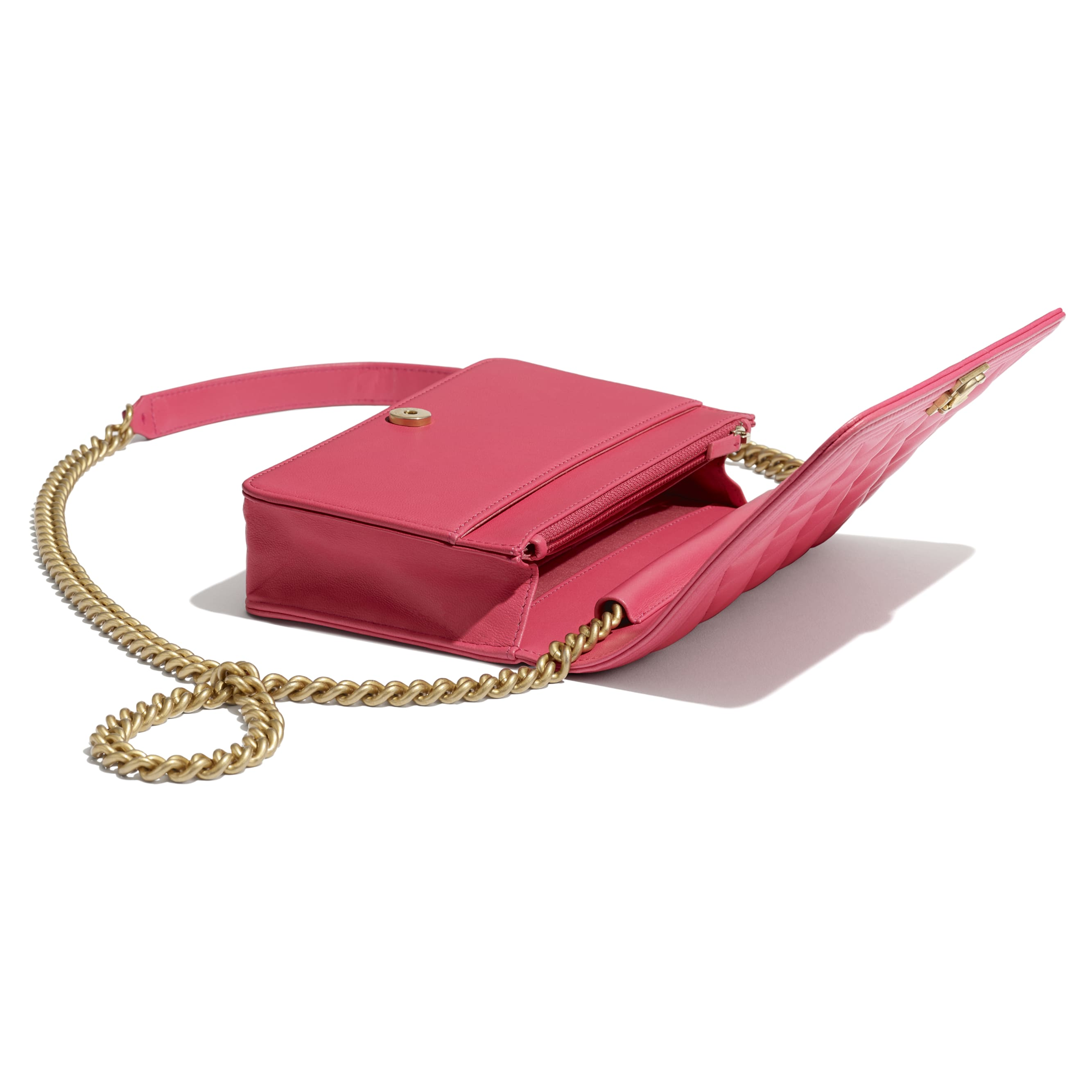 BOY CHANEL Wallet On Chain - Pink - Lambskin - CHANEL - Extra view - see standard sized version