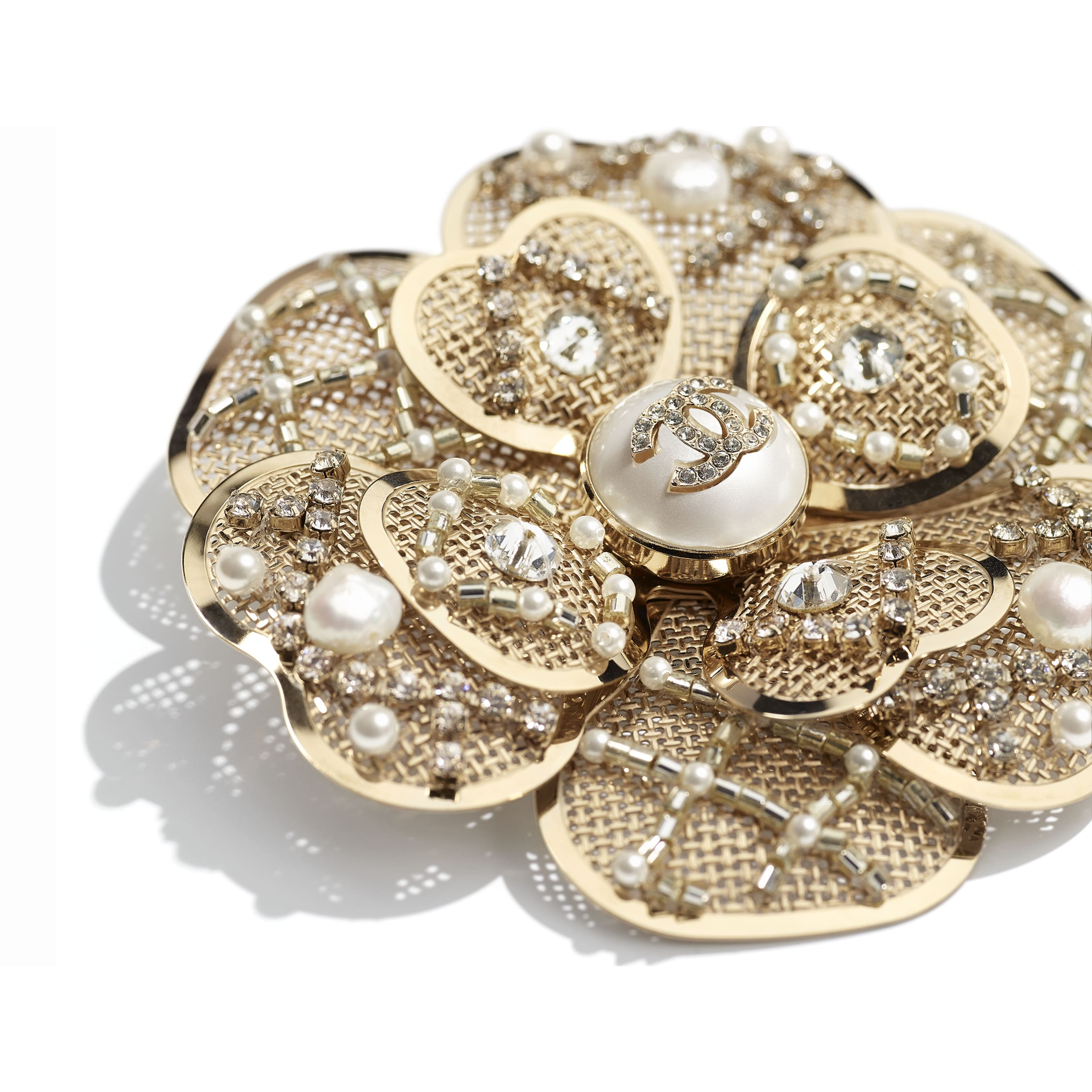 Brooch - Gold, Pearly White & Crystal - Metal, Cultured Fresh Water Pearls, Glass Pearls, Imitation Pearls & Diamanté - CHANEL - Alternative view - see standard sized version