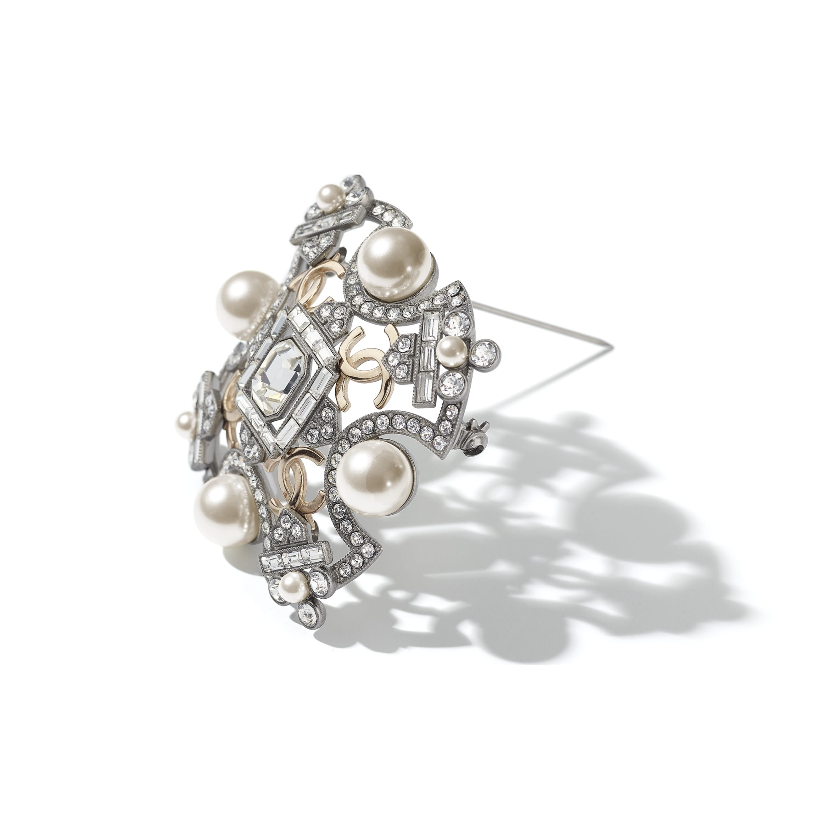 Brooch - Ruthenium, Gold, Pearly White & Crystal - Metal, Glass Pearls & Strass - CHANEL - Alternative view - see standard sized version