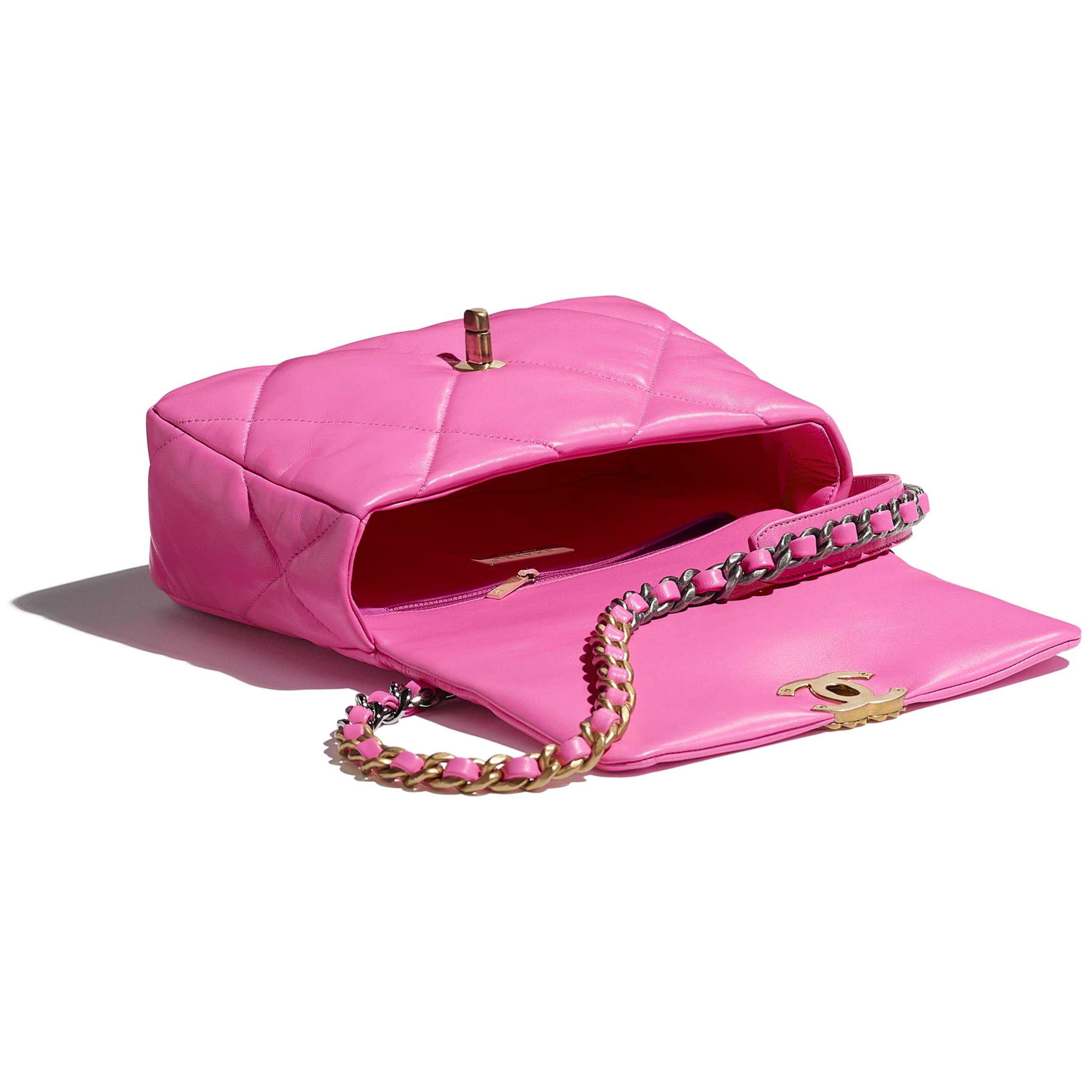 CHANEL 19 口蓋包 - 螢光粉紅 - 亮面小羊皮、金色、銀色&釕色金屬 - CHANEL - 其他視圖 - 查看標準尺寸版本