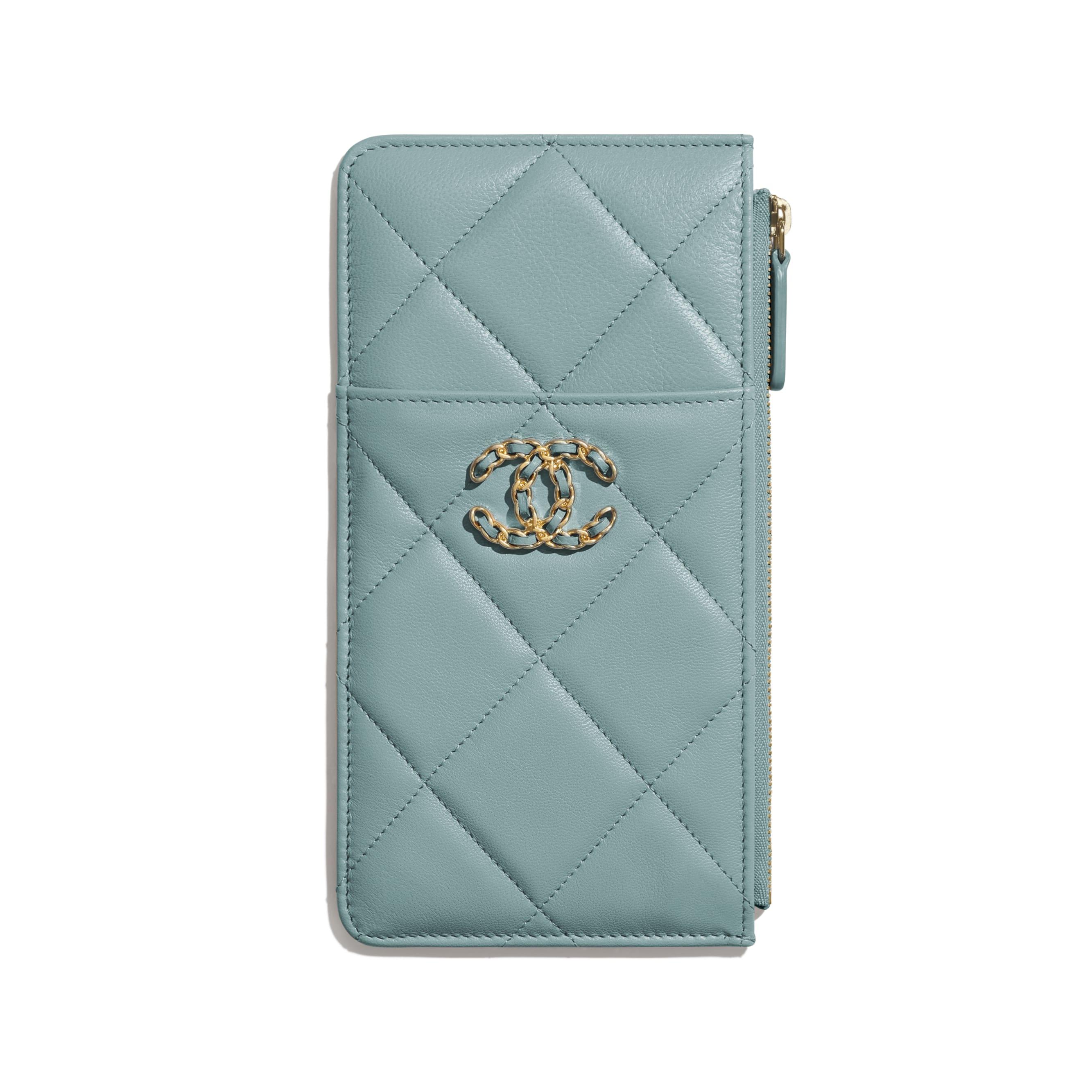 กระเป๋าใส่โทรศัพท์มือถือและบัตร CHANEL 19 - สีฟ้า - หนังแพะเคลือบเงา สีทอง สีเงิน และโลหะเคลือบรูทีเนียม - มุมมองปัจจุบัน - ดูเวอร์ชันขนาดมาตรฐาน