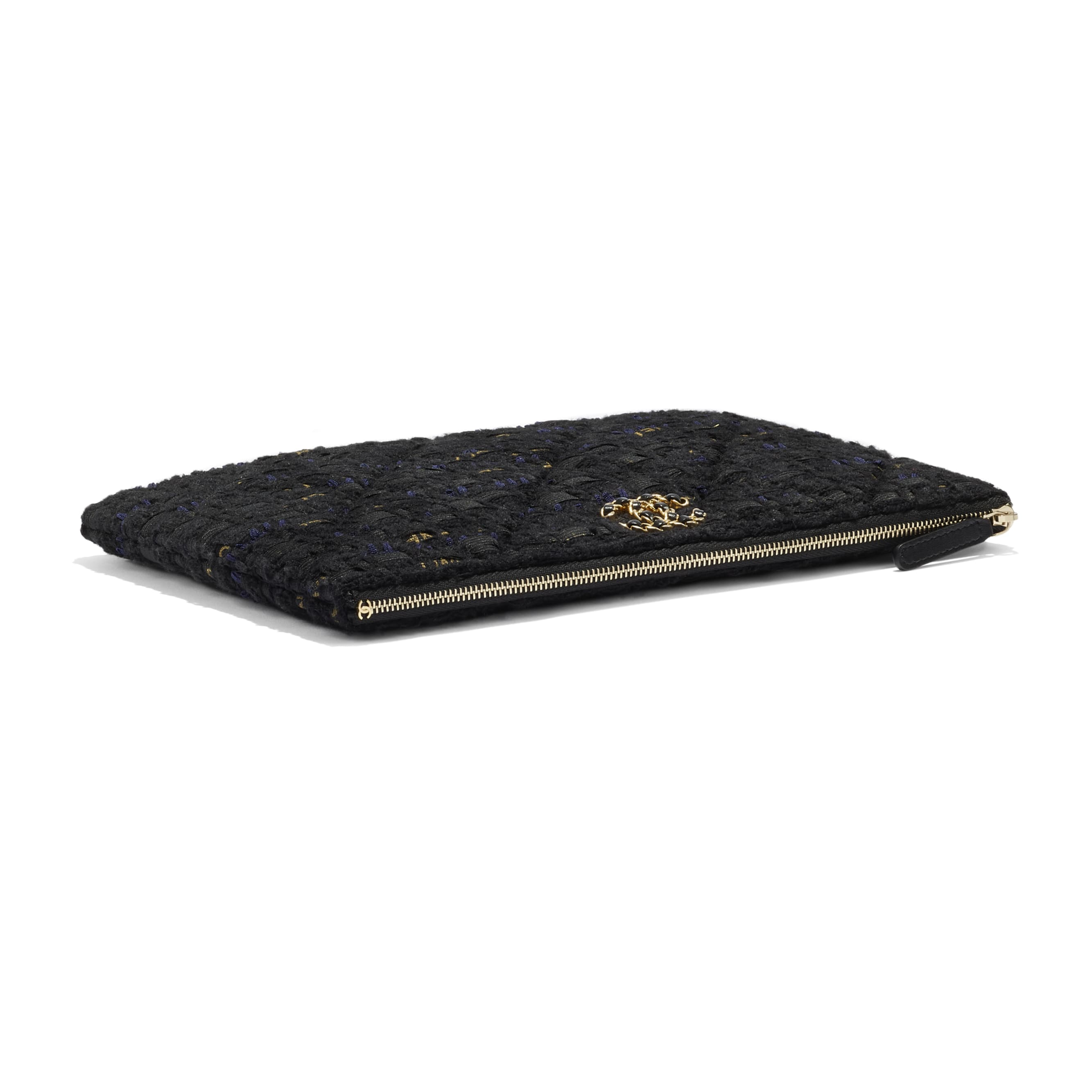 กระเป๋าเพาช์ CHANEL 19 - สีดำ สีน้ำเงินเนวี่บลู และสีทอง - ผ้าทวีตและโลหะสีทอง - CHANEL - มุมมองพิเศษ - ดูเวอร์ชันขนาดมาตรฐาน