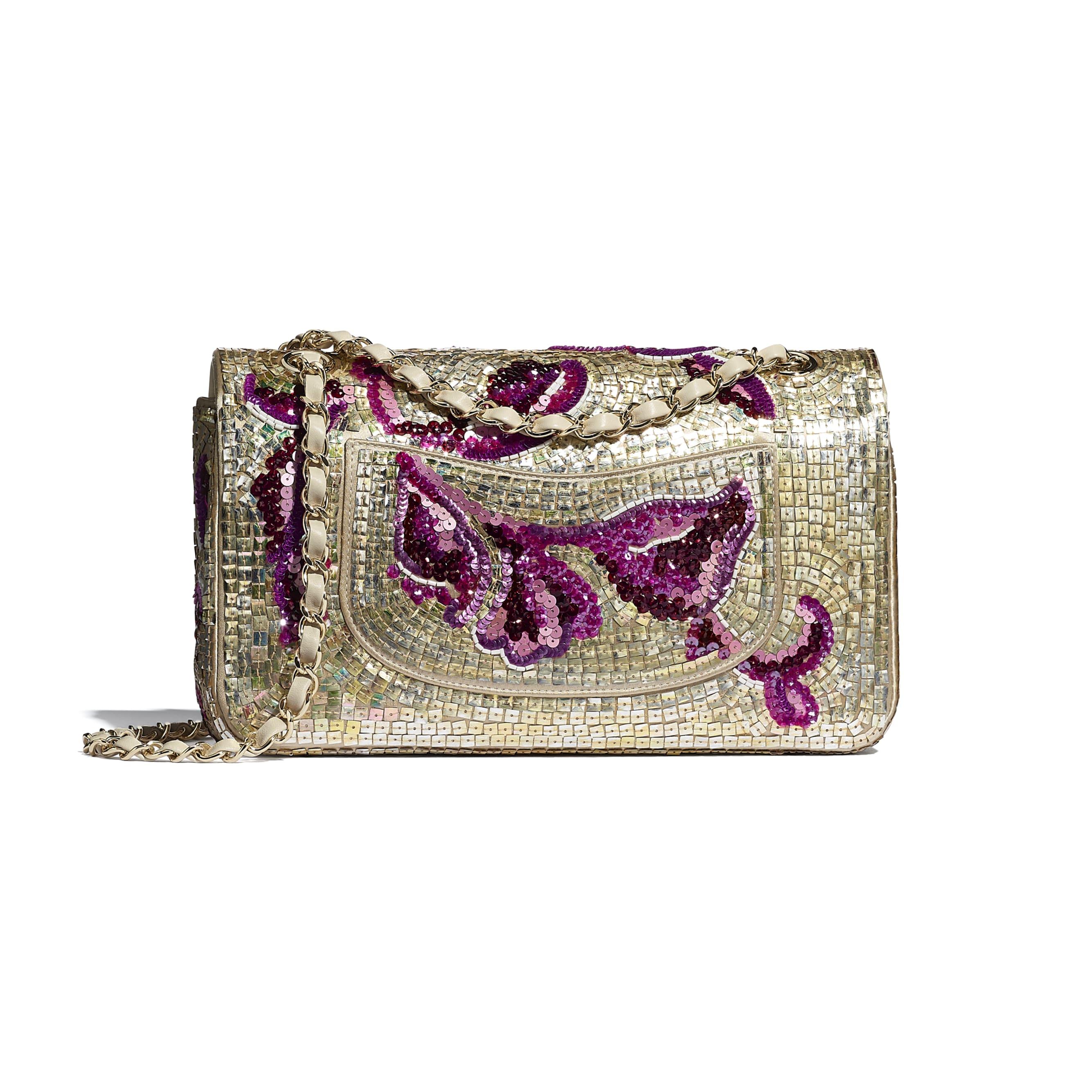 Классическая сумка-конверт - Фиолетовый и золотистый - Пайетки, стеклянный жемчуг, кожа ягненка и золотистый металл - CHANEL - Альтернативный вид - посмотреть изображение стандартного размера