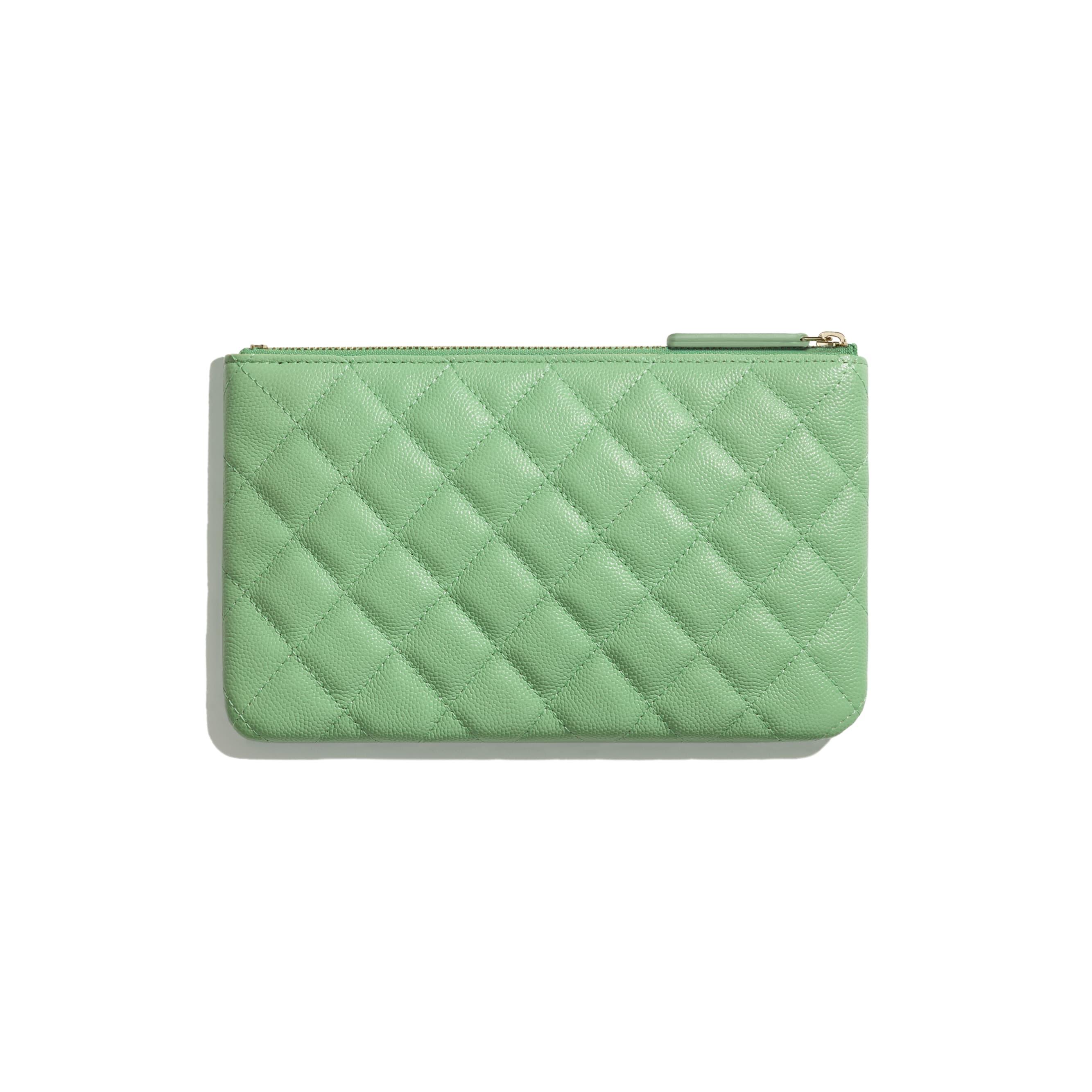 Pochete pequena clássica - Verde - Couro De Novilho Granulado & Metal Dourado - CHANEL - Vista alternativa - ver a versão em tamanho standard