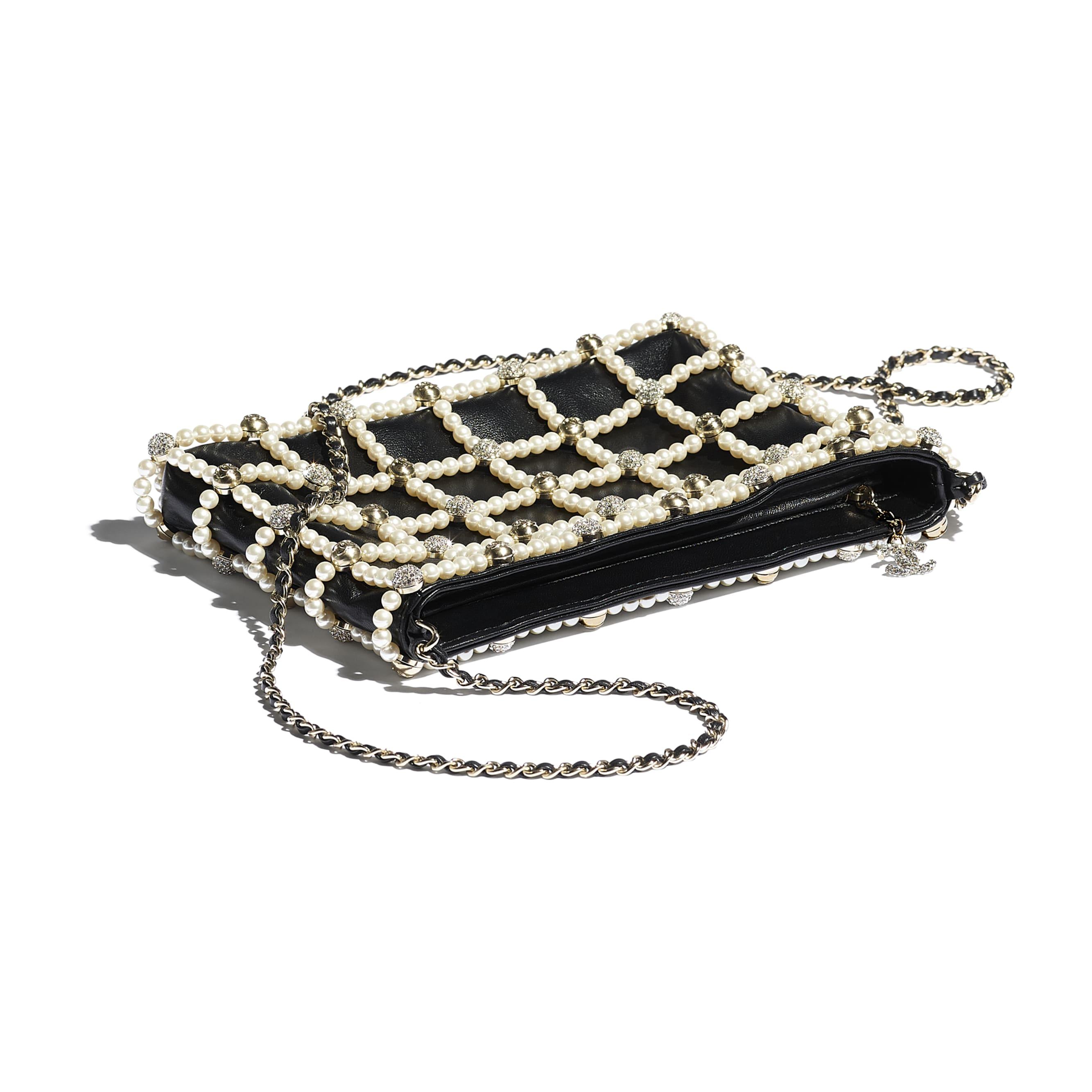 Pochette - Nero - Pelle di agnello, pelle, perle in pasta di vetro, strass & metallo effetto dorato - CHANEL - Altra immagine - vedere versione standard