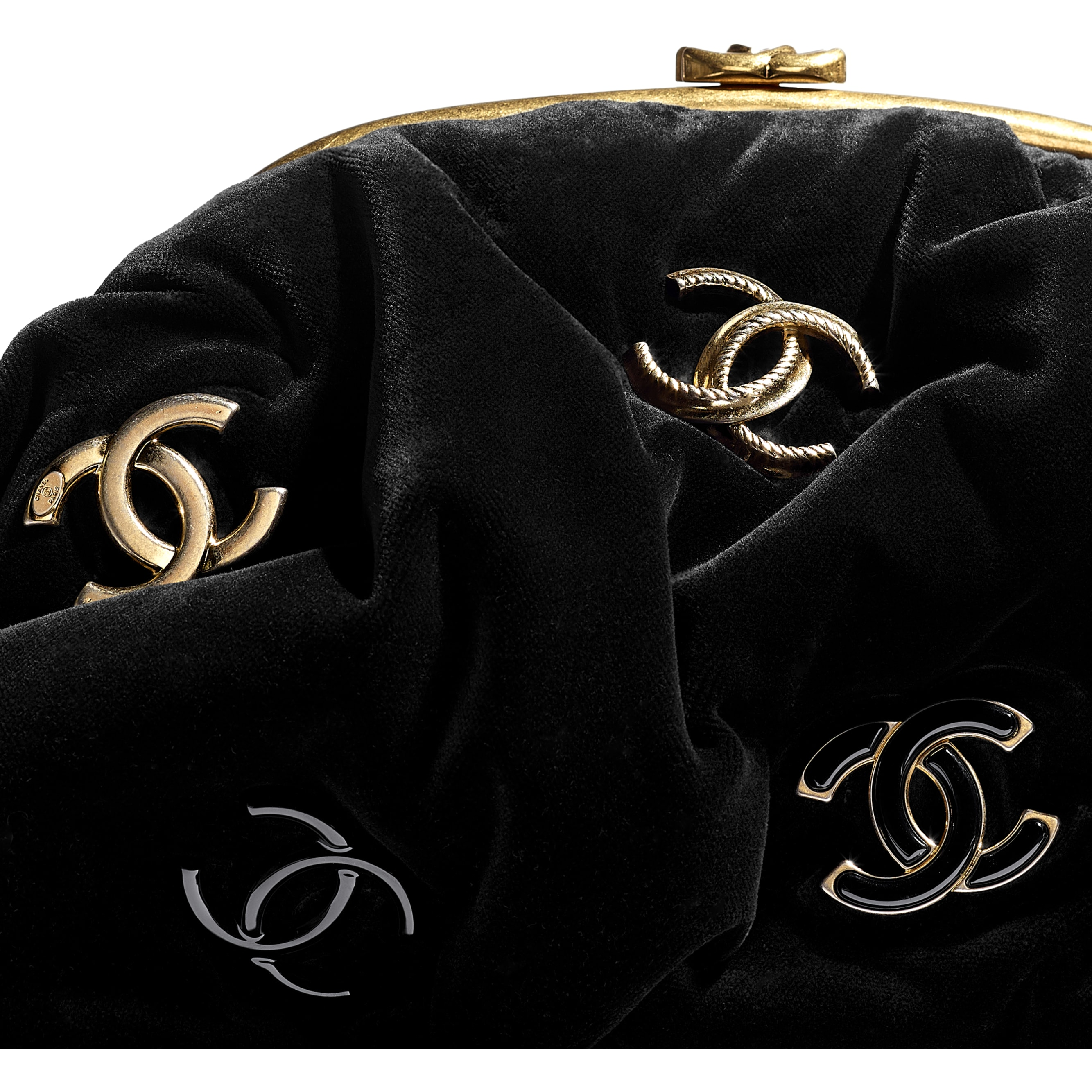 Clutch - Black - Velvet, Black & Gold-Tone Metal - CHANEL - Extra view - see standard sized version