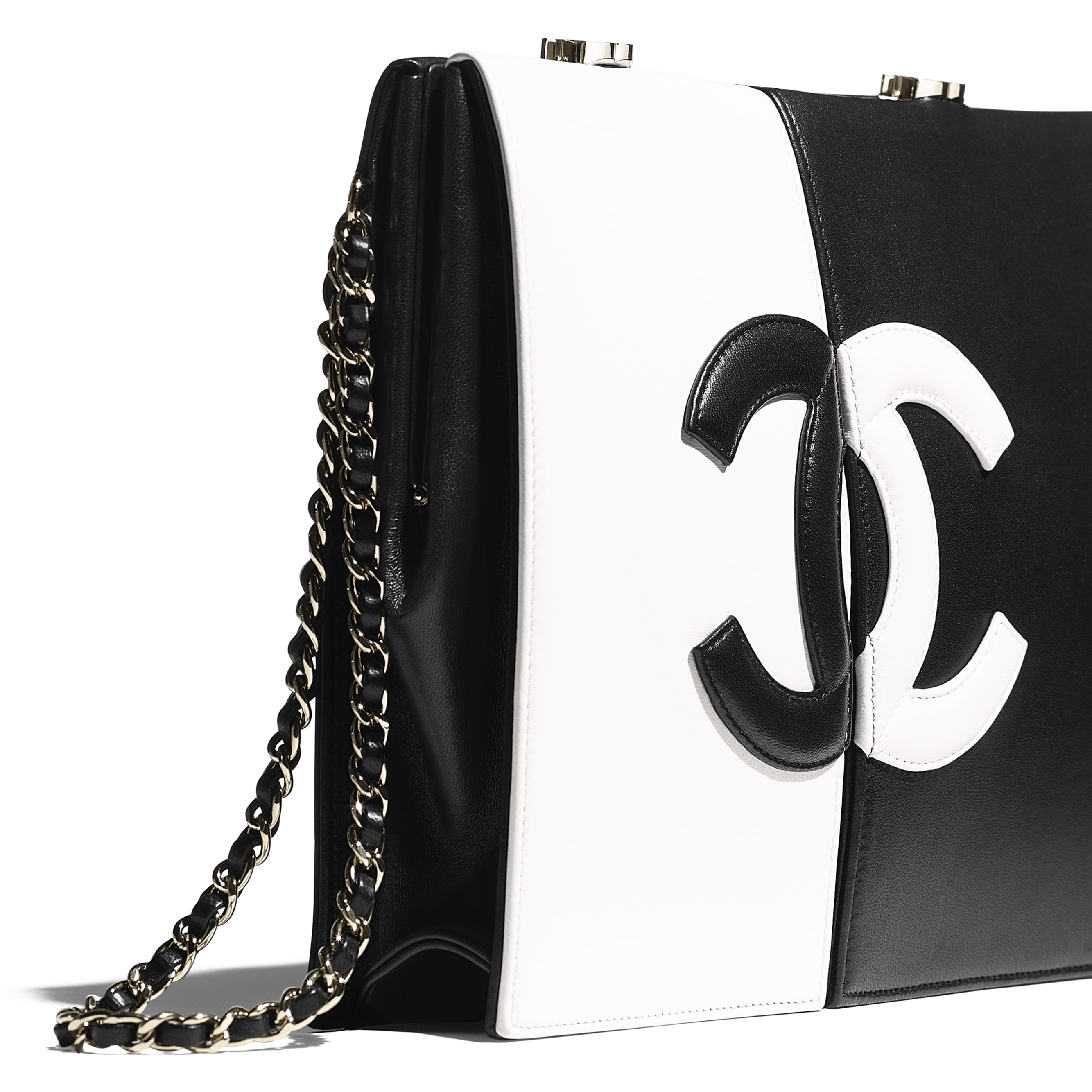Clutch - White & Black - Lambskin - CHANEL - Extra view - see standard sized version