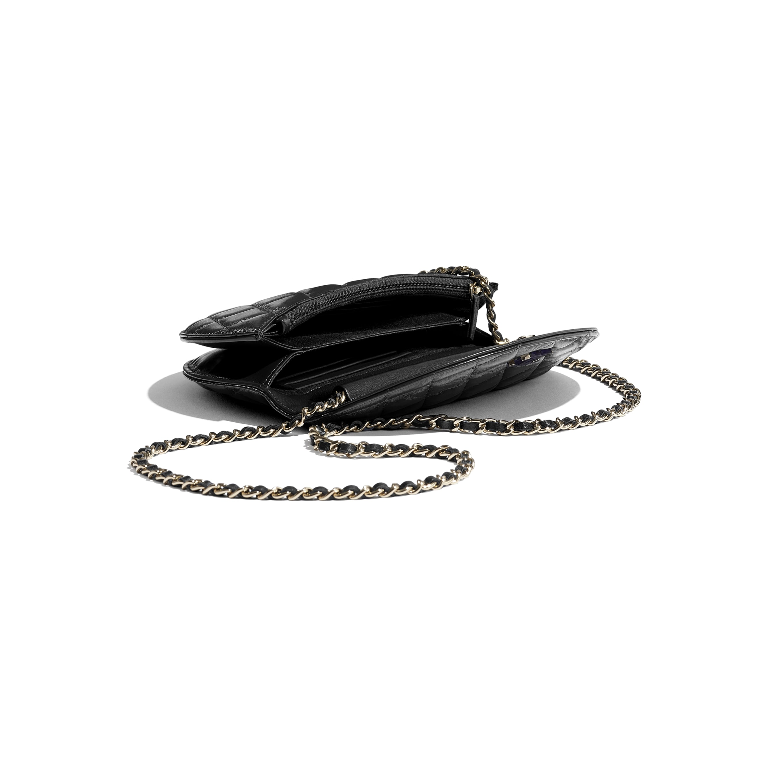 Clutch with Chain - Black - Shiny Crumpled Lambskin, Resin & Gold-Tone Metal - CHANEL - Extra view - see standard sized version