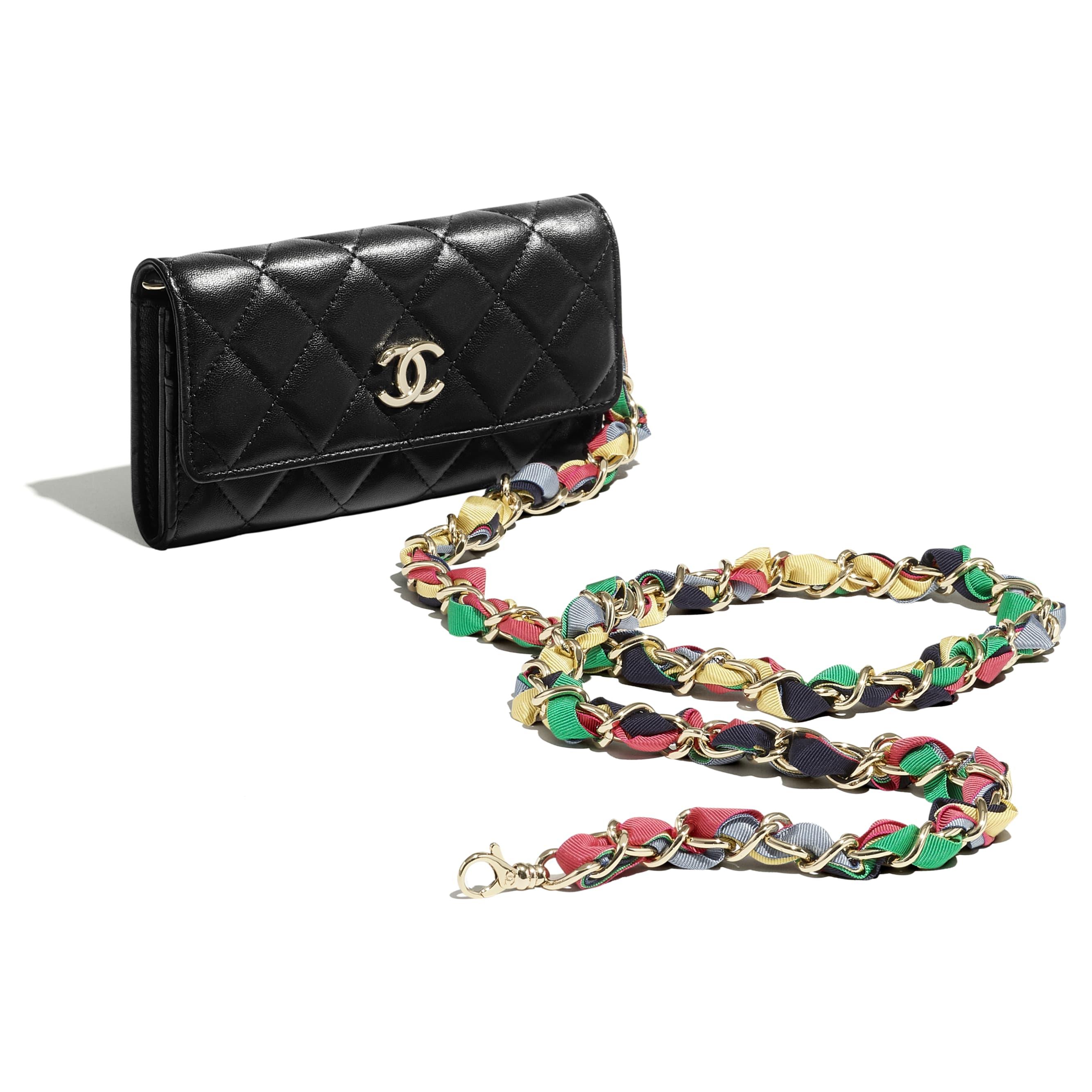 Pochette avec chaîne - Noir - Agneau brillant, ruban & métal doré - CHANEL - Vue supplémentaire - voir la version taille standard