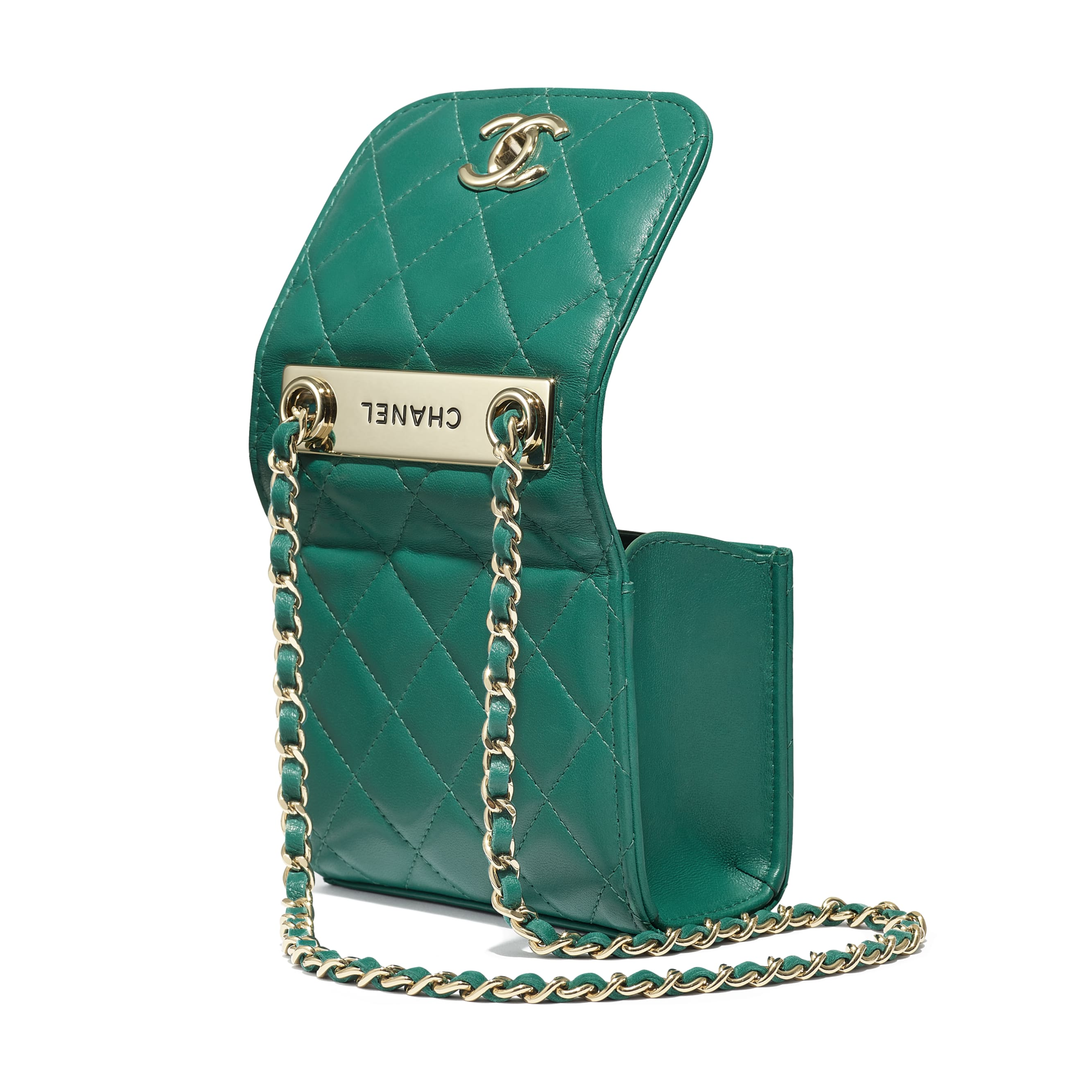 Clutch With Chain - Green - Lambskin - Extra view - see standard sized version