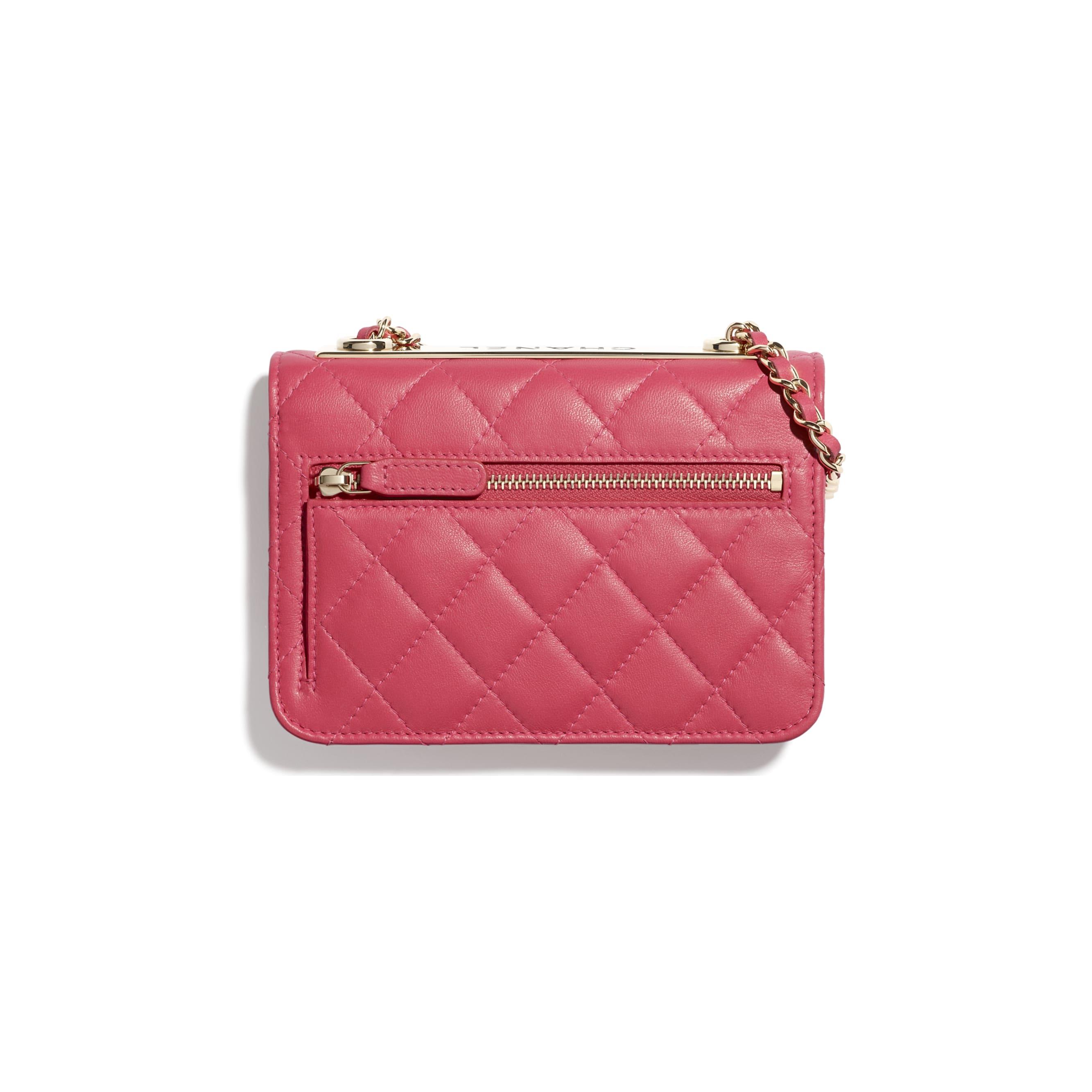 Bolso de mano con cadena - Rosa - Piel de cordero y metal dorado - CHANEL - Vista alternativa - ver la versión tamaño estándar