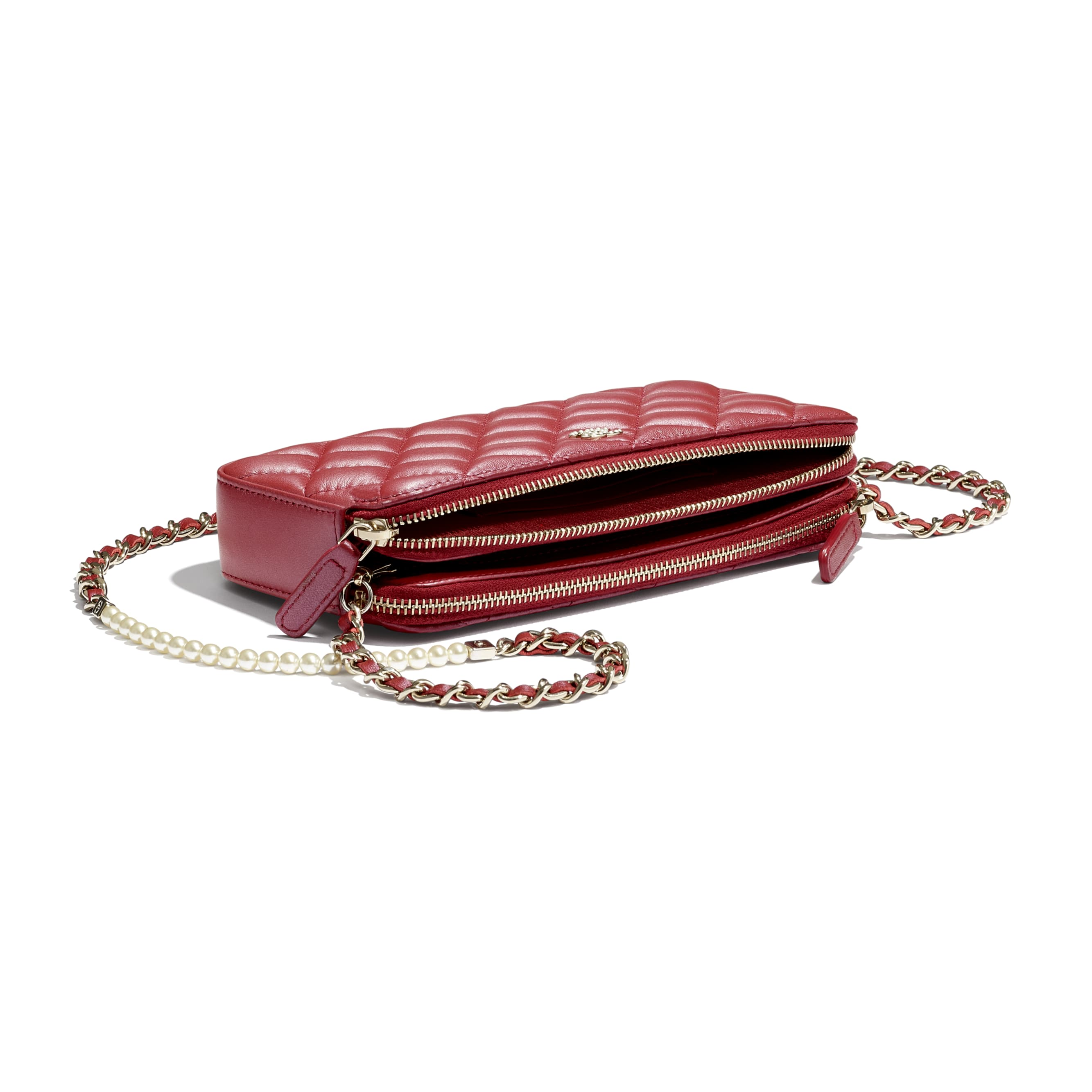Clutch With Chain - Red - Iridescent lambskin & gold-tone metal - CHANEL - Extra view - see standard sized version