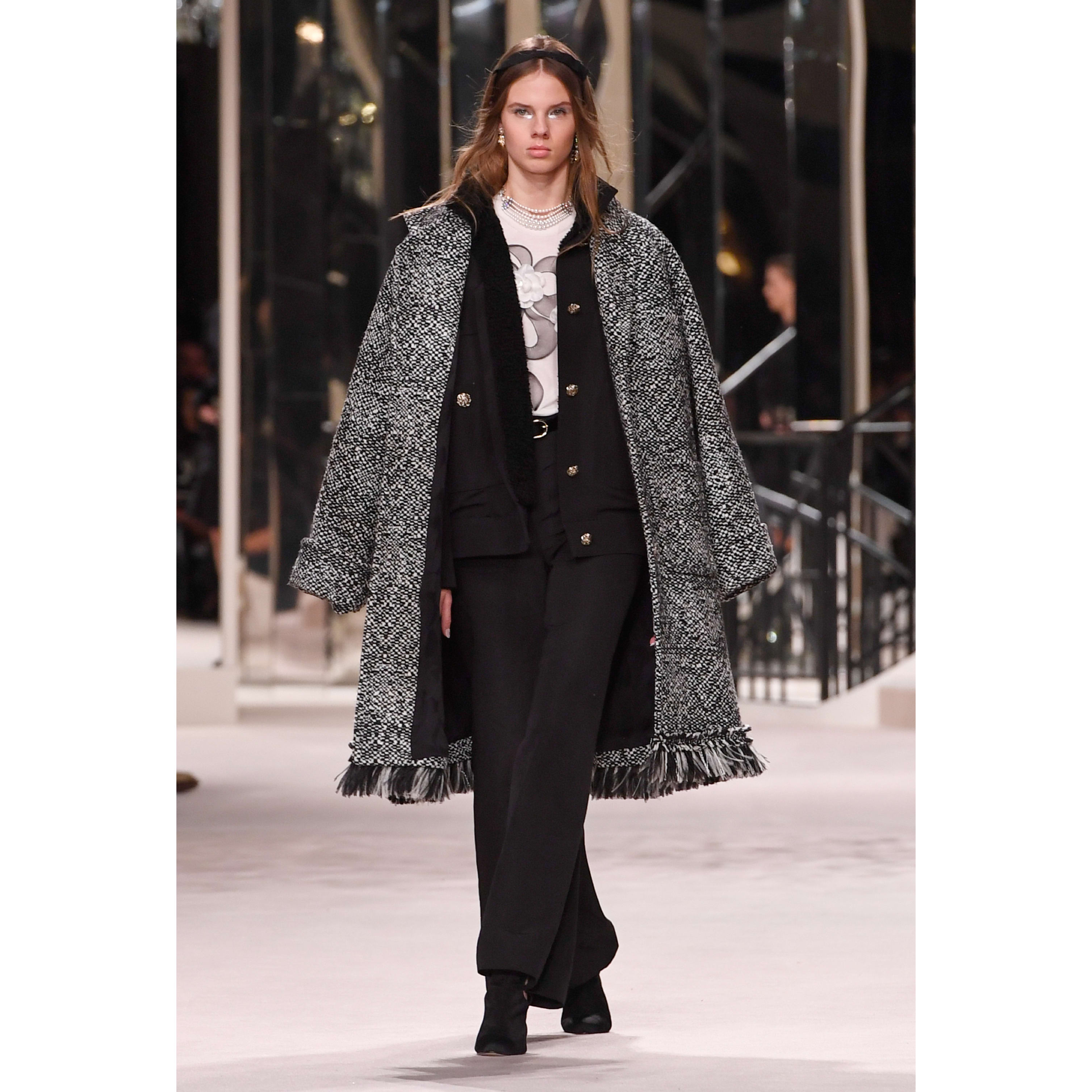 Coat - Black & Ecru - Wool Tweed - CHANEL - Default view - see standard sized version