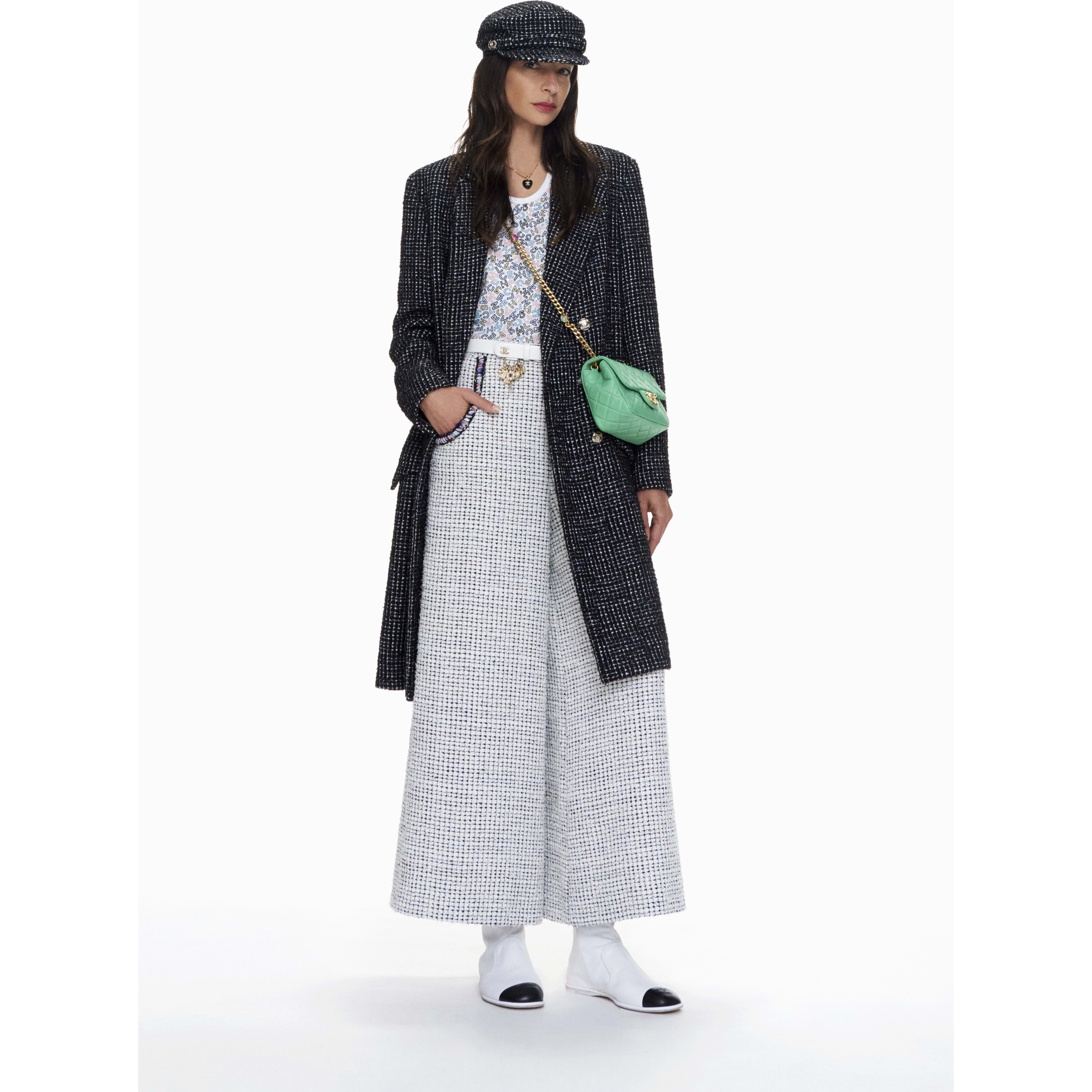 Coat - Black & White - Tweed - CHANEL - Default view - see standard sized version